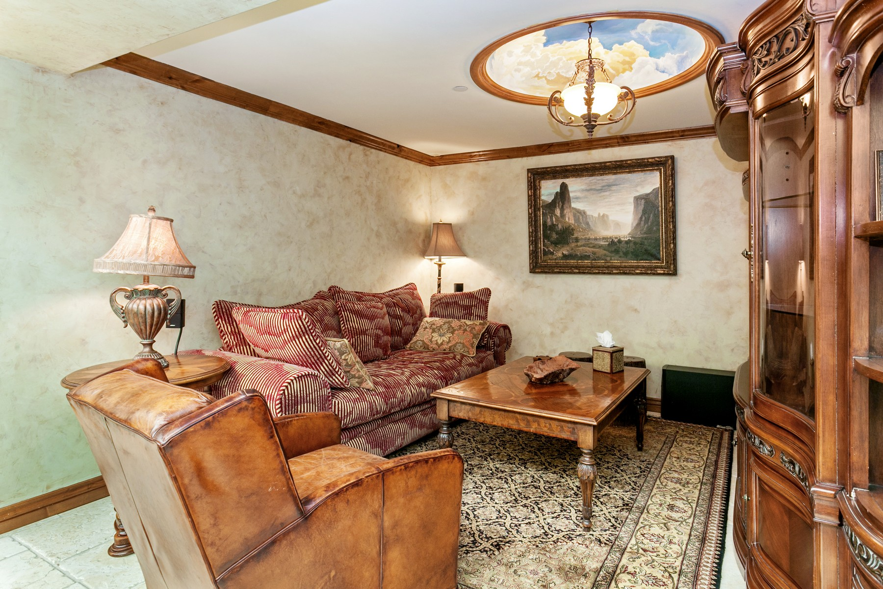 Additional photo for property listing at Boutique Penthouse in the Heart of Vail Village 12 Vail Road #R8 Vail, Colorado 81657 United States