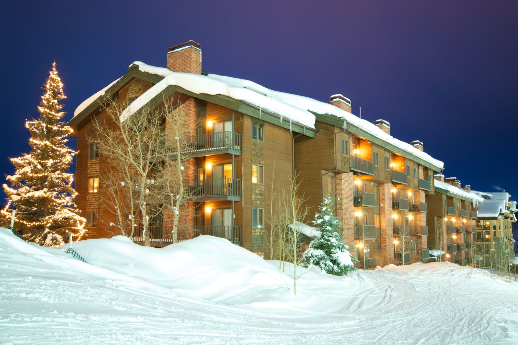 Additional photo for property listing at Bear Claw Ski-in/Ski Out 2430 Ski Trail Lane Unit 401 Steamboat Springs, Colorado 80487 Estados Unidos