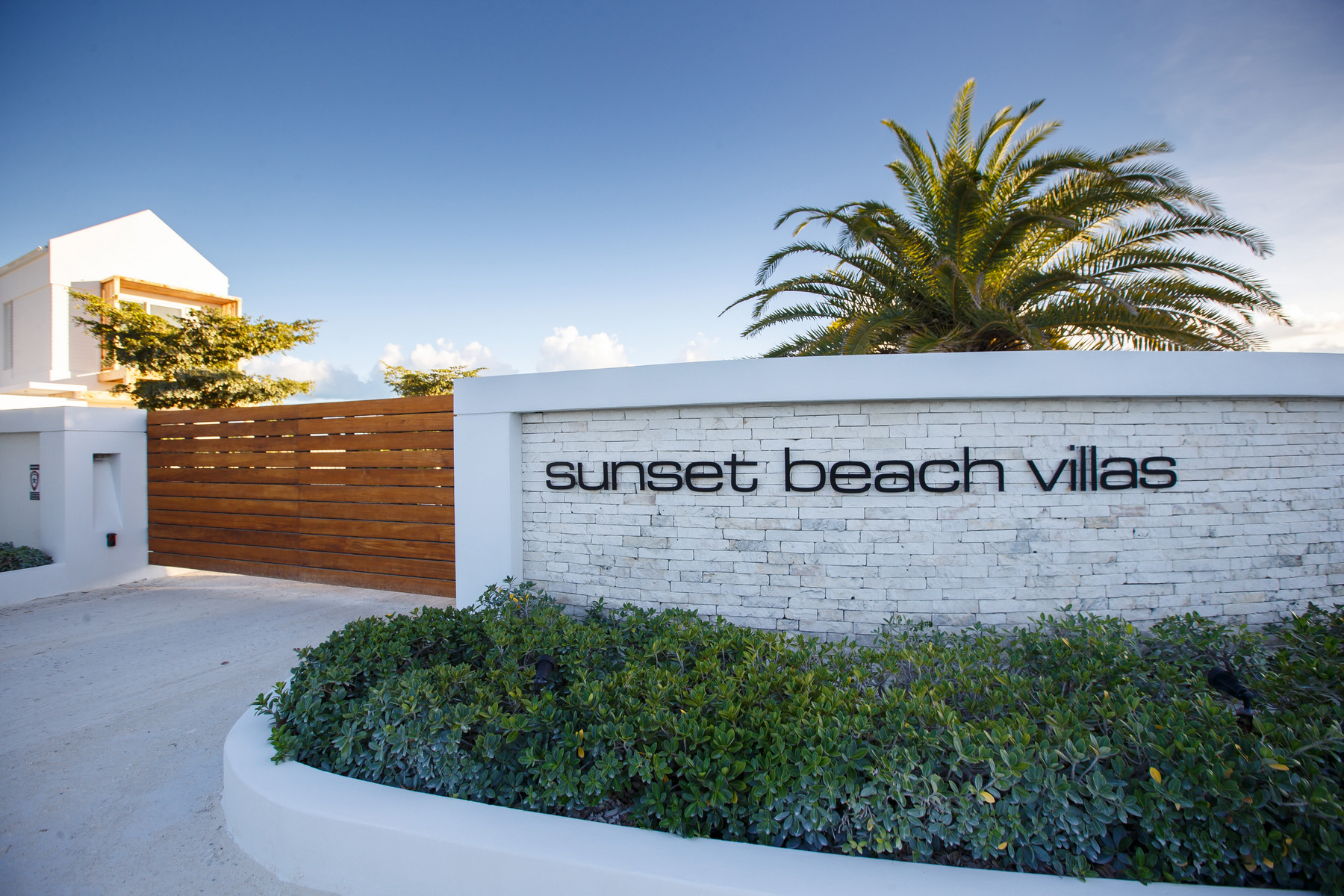 Additional photo for property listing at Sunset Beach Villas - Design B Gardenview Leeward, Providenciales TC Îles Turques Et Caïques