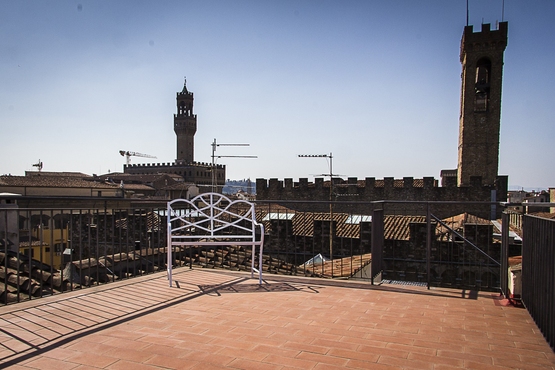 Additional photo for property listing at Historic palace close to the Bargello museum Via Ghibellina Firenze, Florence 50100 Italy