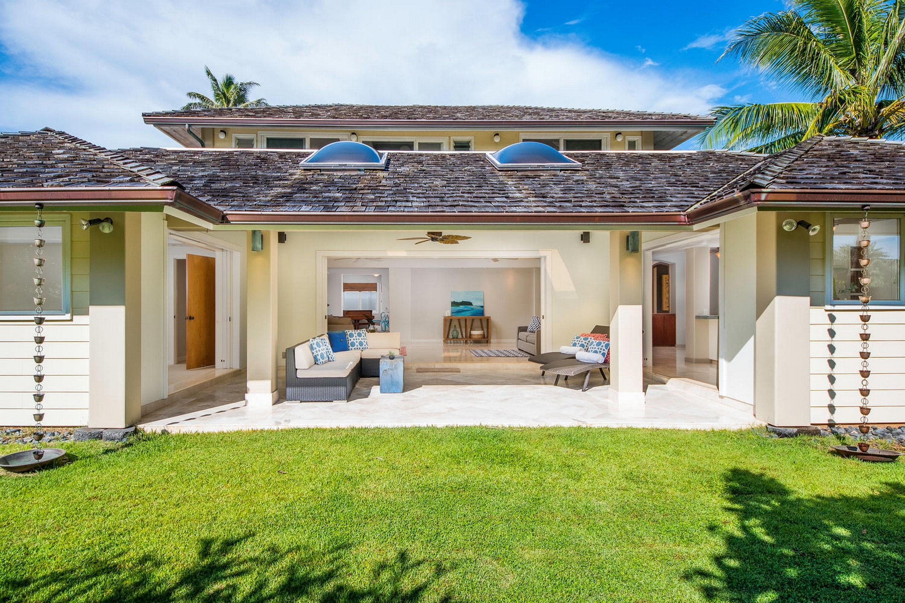 Single Family Home for Sale at Beautiful beachside Kailua home 21 L'Orange Pl Kailua, Hawaii 96734 United States