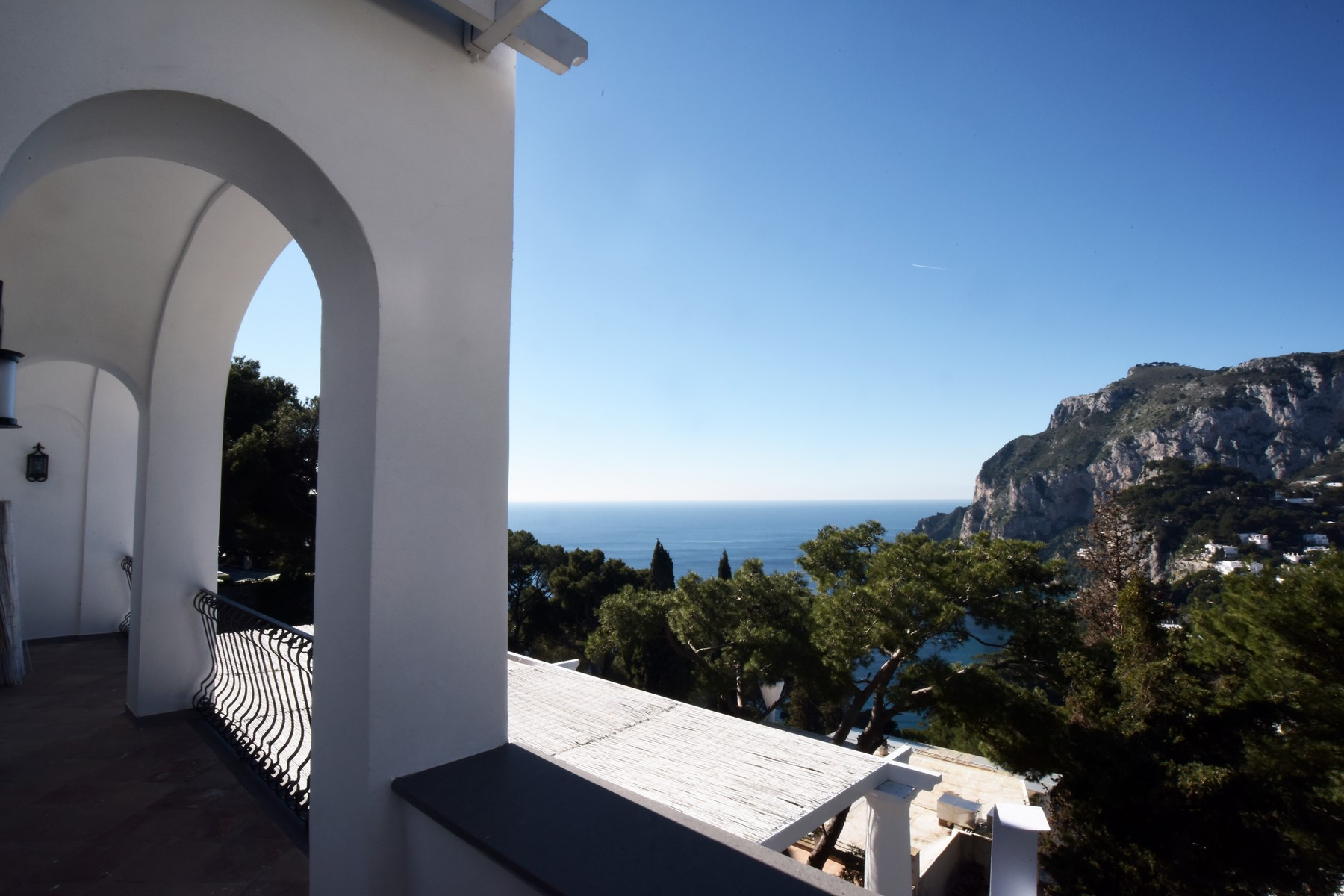 Additional photo for property listing at Magnificent panoramic villa Capri, Naples Italy