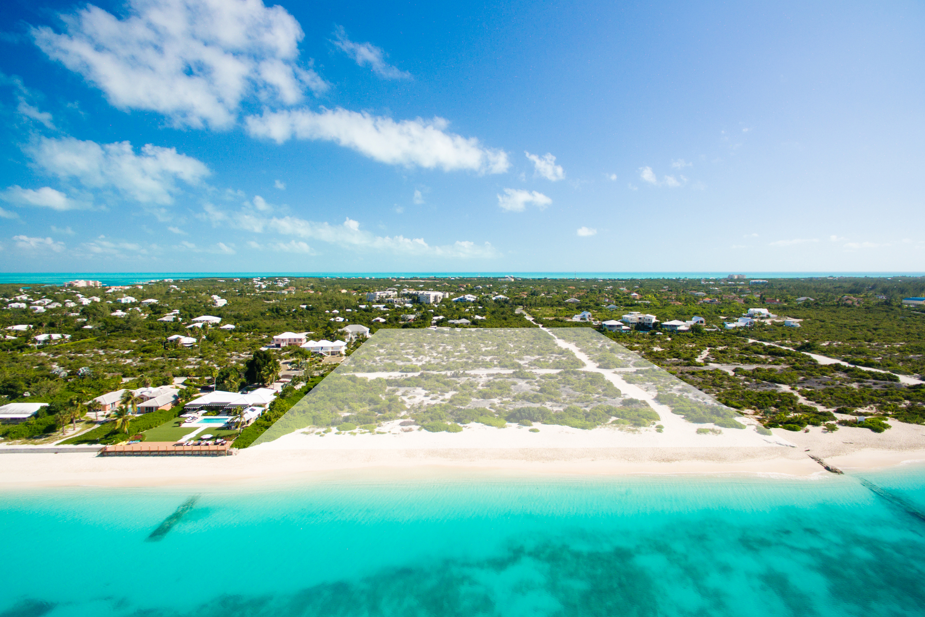 Additional photo for property listing at Beach Enclave Grace Bay - Design A Beach Enclave Grace Bay, Lot 10 - Design A Grace Bay, Провиденсьялес TKCA 1ZZ Теркс И Кайкос