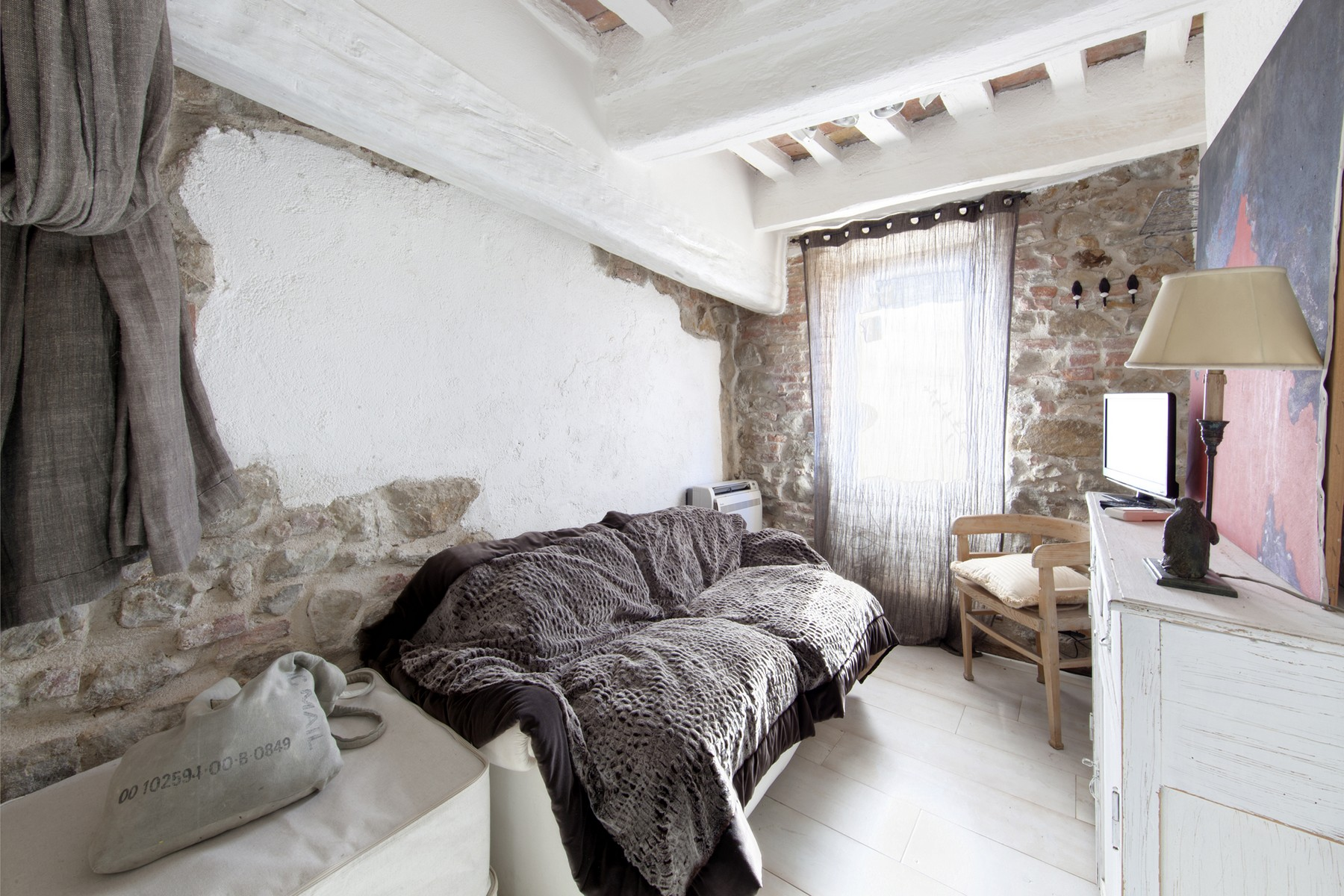 Additional photo for property listing at Restored apartment in Pereta Via della Pergola Magliano In Toscana, Grosseto 58051 Italie