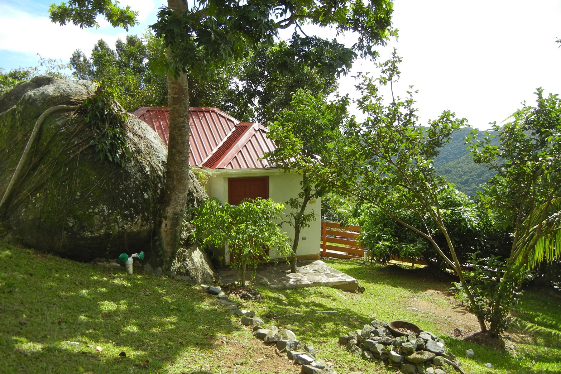 Additional photo for property listing at Mandalay Ridge Road, トルトラ イギリス領ヴァージン諸島