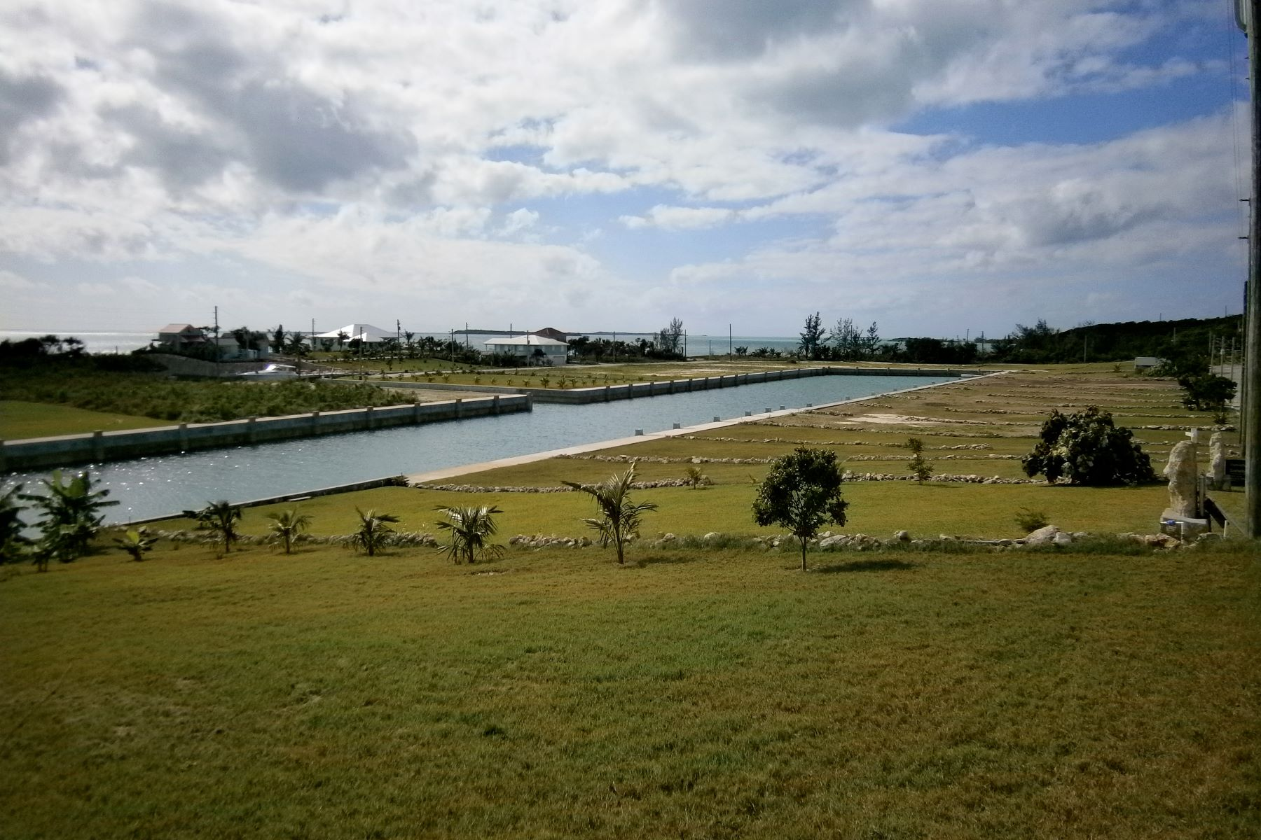 Additional photo for property listing at Canal Lot 17 - in Crystal Bay Spanish Wells, Eleuthera Bahamas