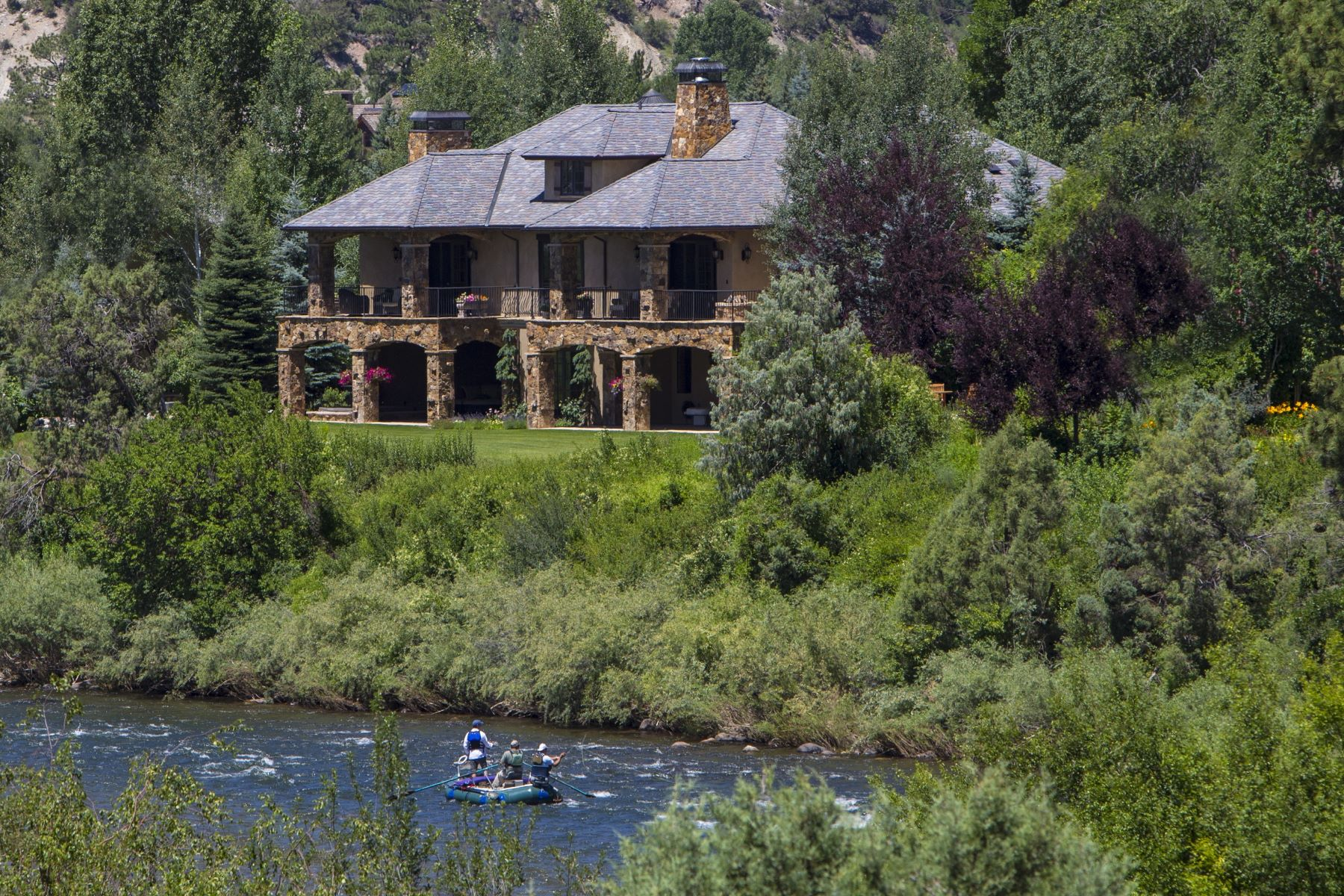 Maison unifamiliale pour l Vente à Riverfront Italian Country Home 80 Alpen Glo Lane Carbondale, Colorado, 81623 États-Unis