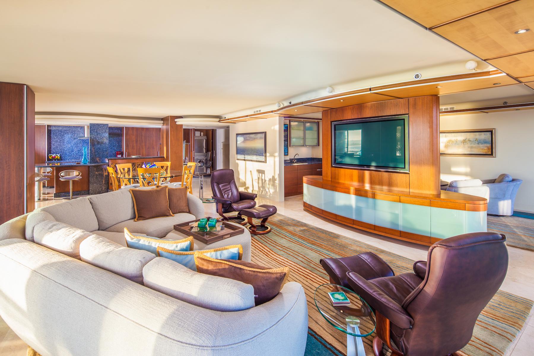 Additional photo for property listing at 1780 Avenida Del Mundo #407 1780 Avenida del Mundo 407 Coronado, California 92118 United States