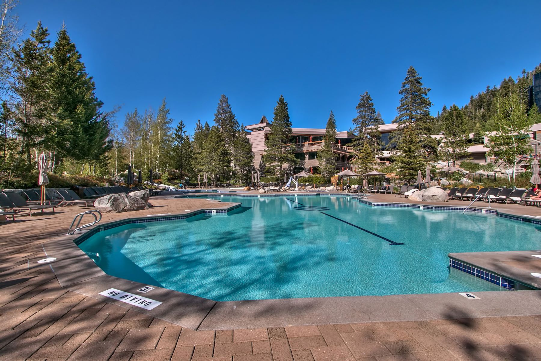 Additional photo for property listing at 400 Squaw Creek Road, #434-436, Olympic Valley, California 96146 400 Squaw Creek Road #434-436 Olympic Valley, California 96146 United States