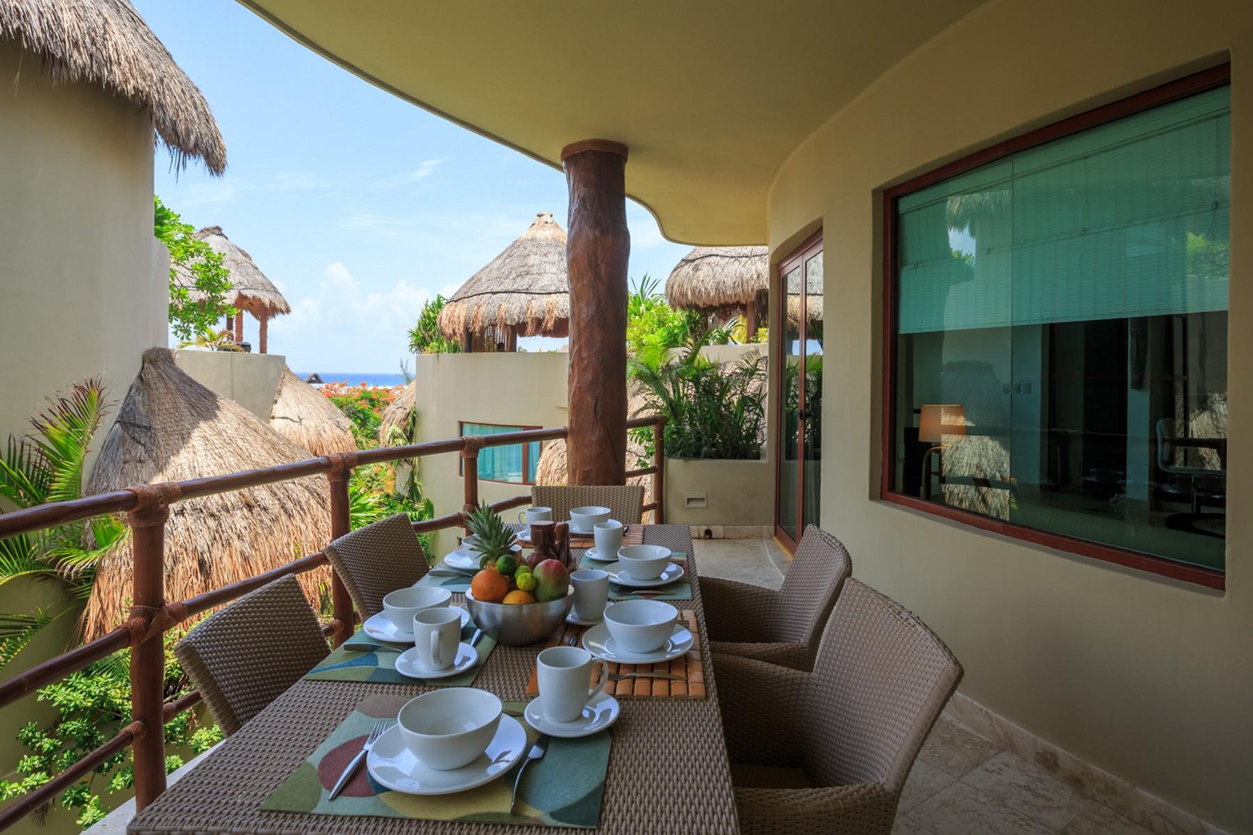 Additional photo for property listing at STUNNING MAYA VILLA PH Maya Villa Condominium 1st Ave. North, between 12 North & 16 North Streets Playa Del Carmen, Quintana Roo 77710 Mexico