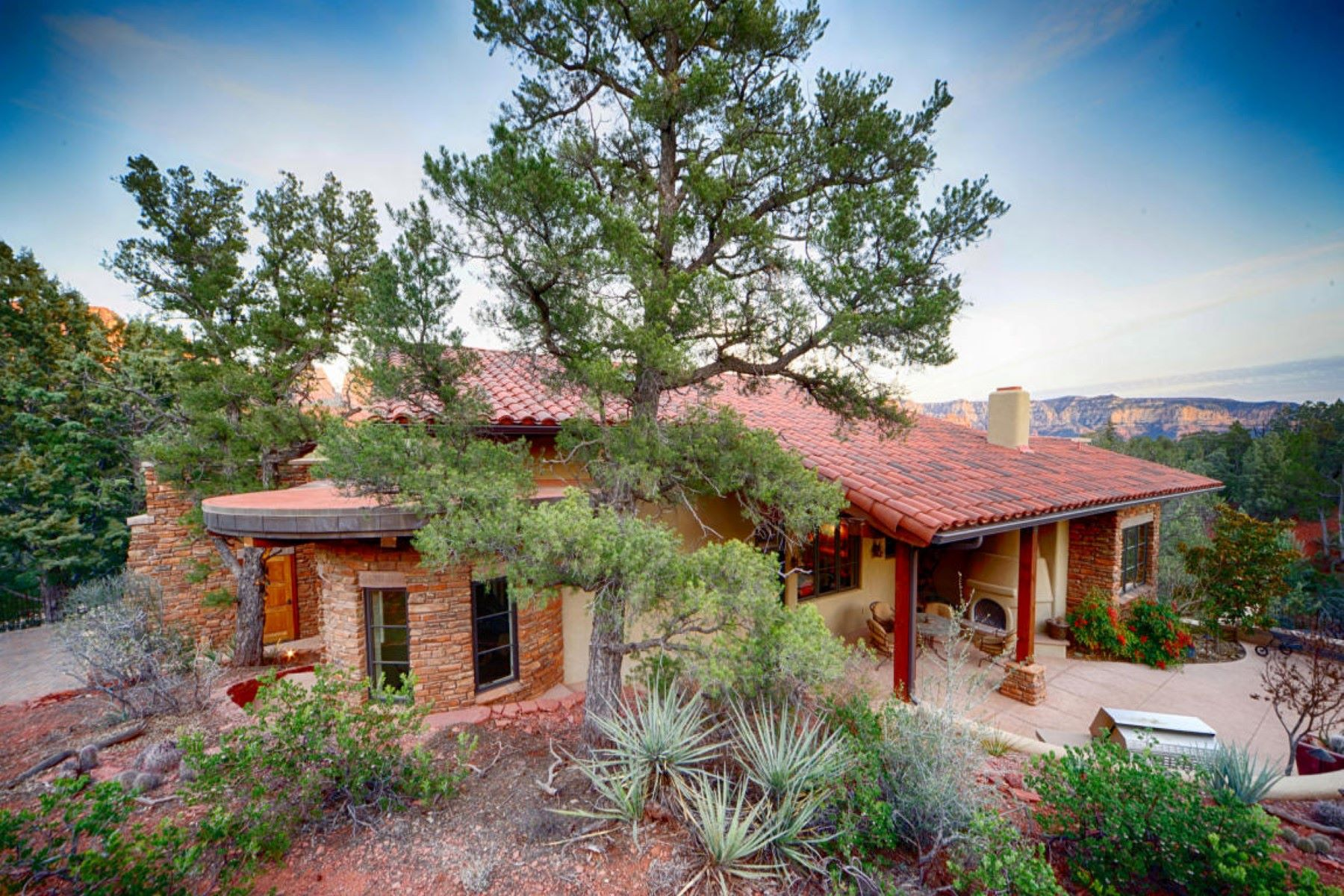 Single Family Home for Sale at Custom Southwest Masterpiece 400 Little Scout Rd Sedona, Arizona 86336 United States