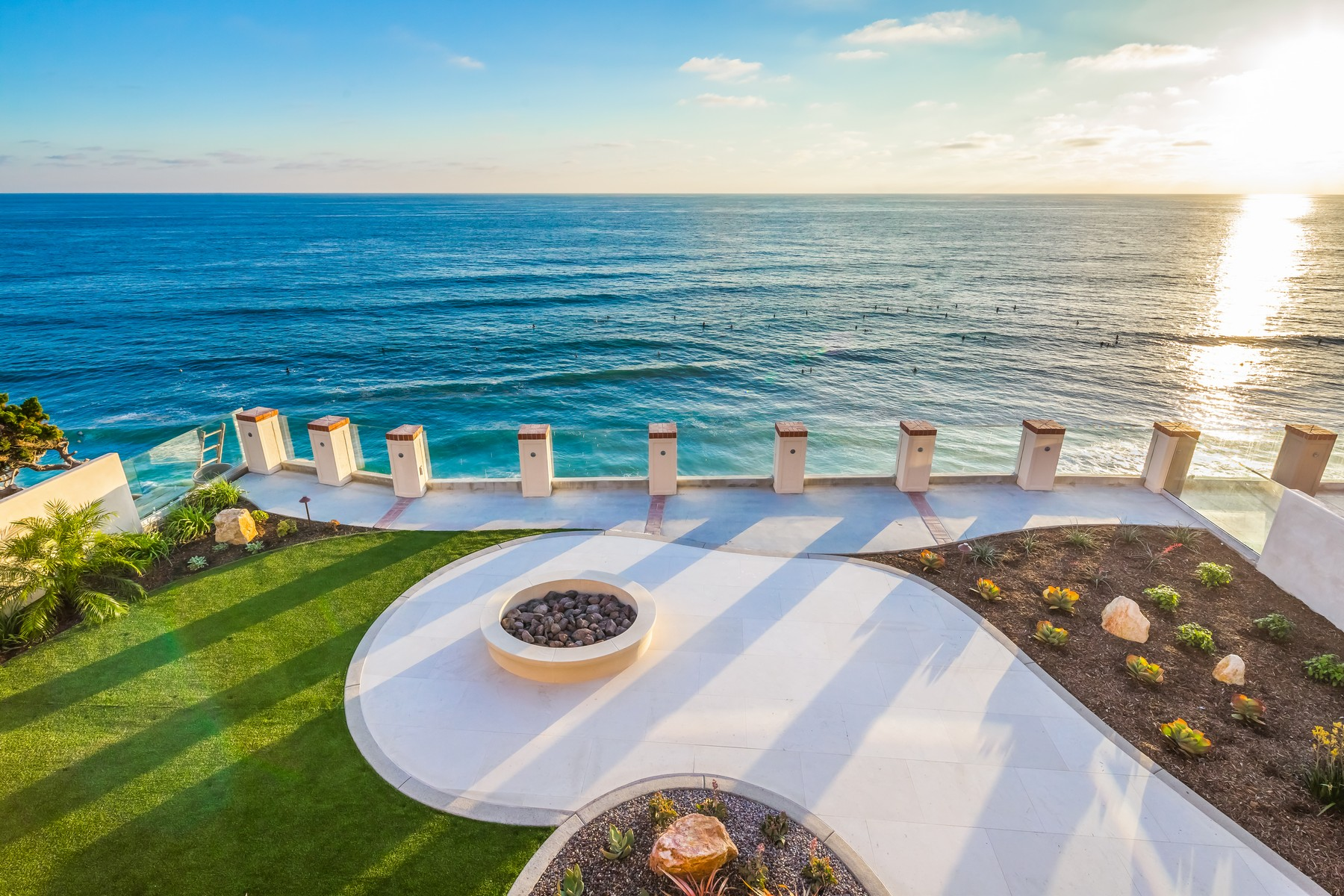 Additional photo for property listing at 824 Neptune Avenue  Encinitas, Californie 92024 États-Unis