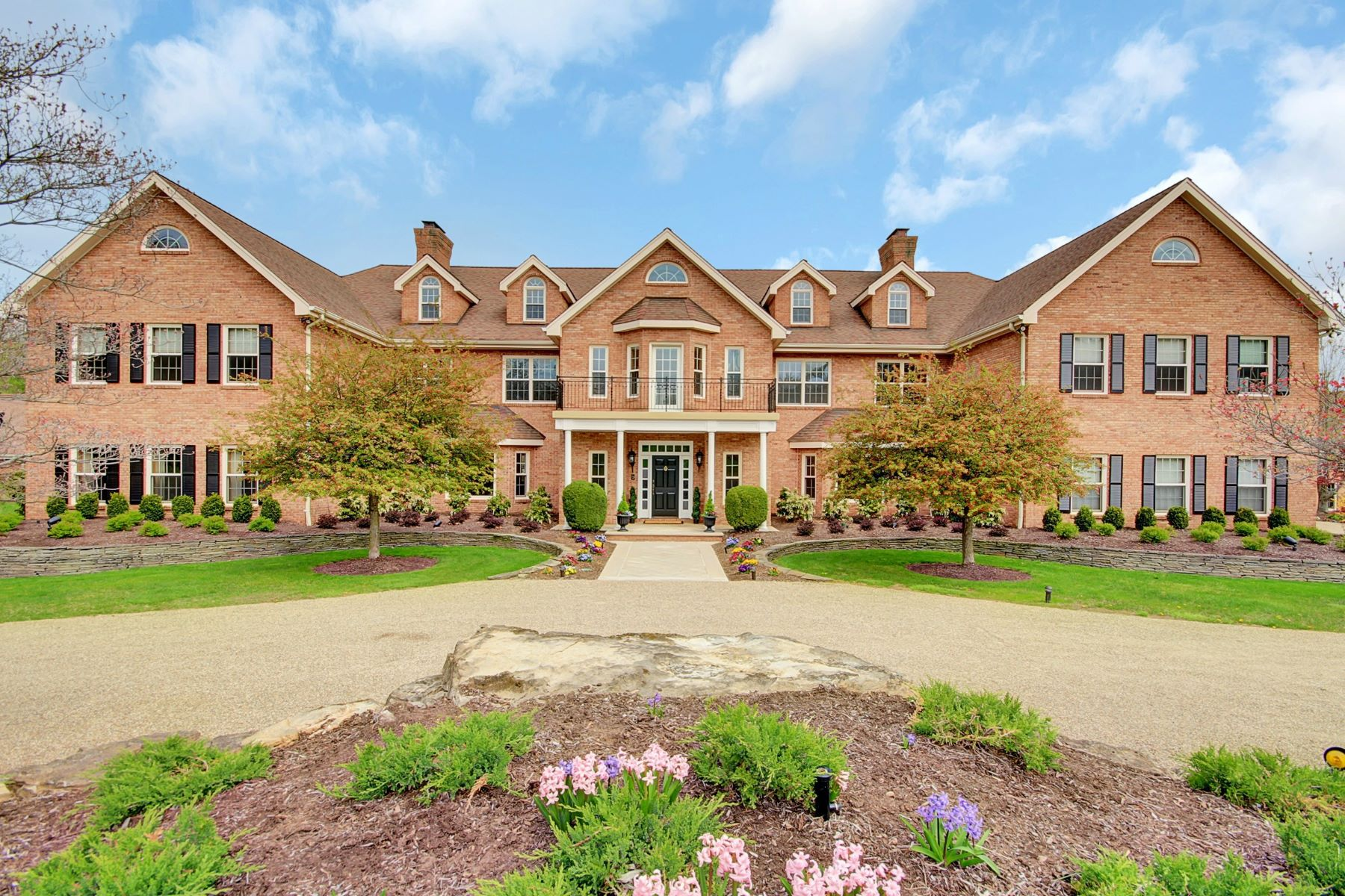 Villa per Vendita alle ore Sophisticated Country Living 23 Welsh Lane Harding Township, New Jersey 07976 Stati Uniti