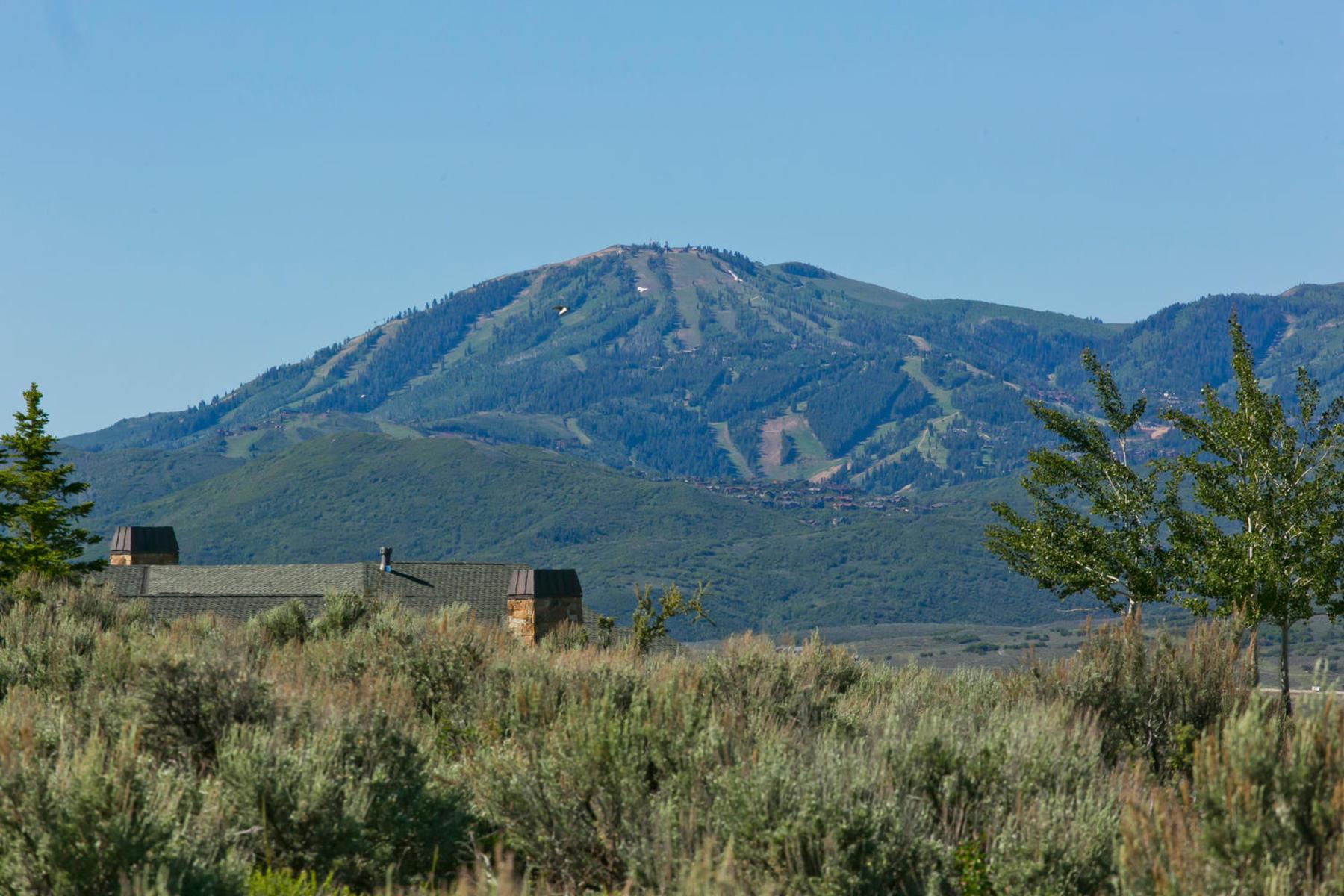 Terreno por un Venta en Premium Promontory Homesite 7991 N West Hills Trl Lot 2 Park City, Utah, 84098 Estados Unidos