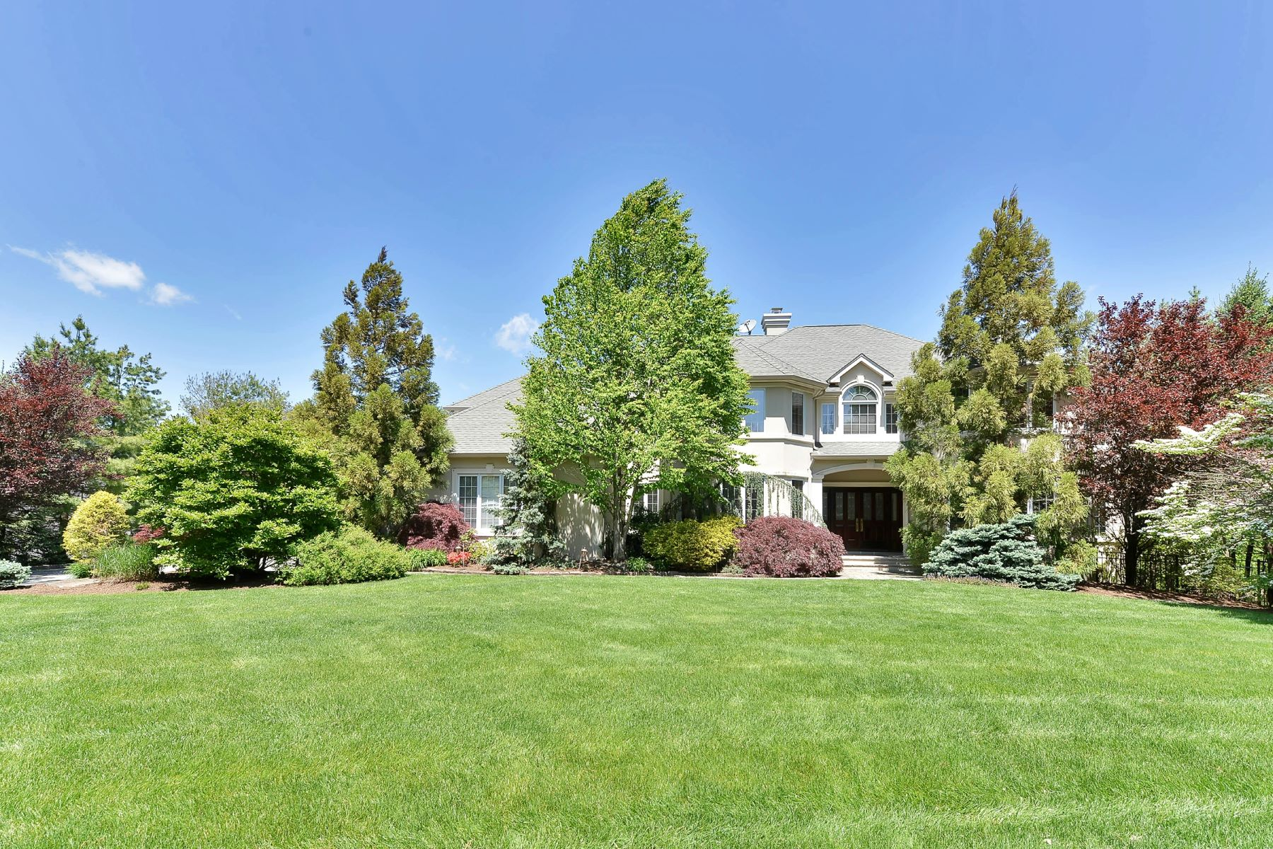 Single Family Home for Sale at Exquisite Manor 2 Hunter Ridge Woodcliff Lake, New Jersey 07677 United States
