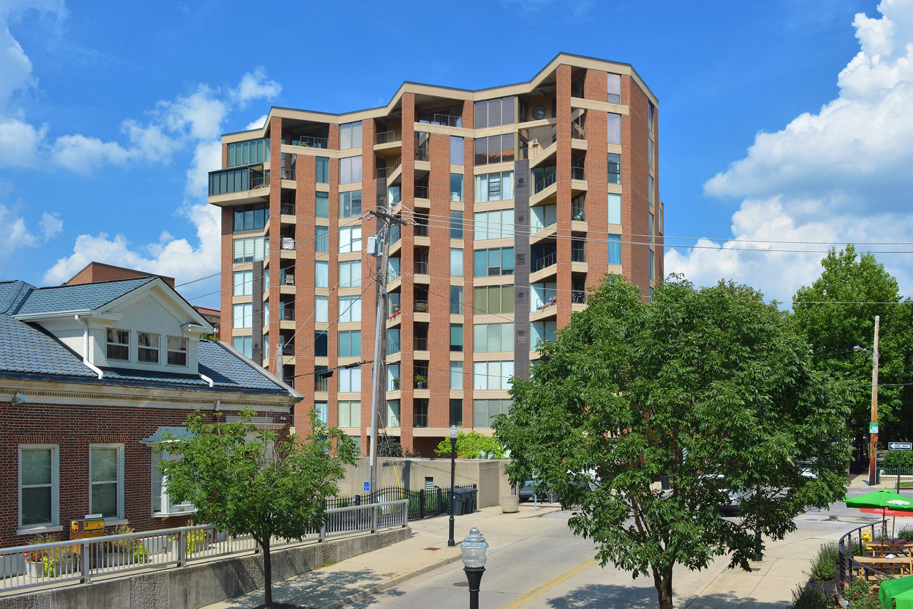 Condominium for Sale at City and River Views 100 Riverside Place #1005 Covington, Kentucky 41011 United States