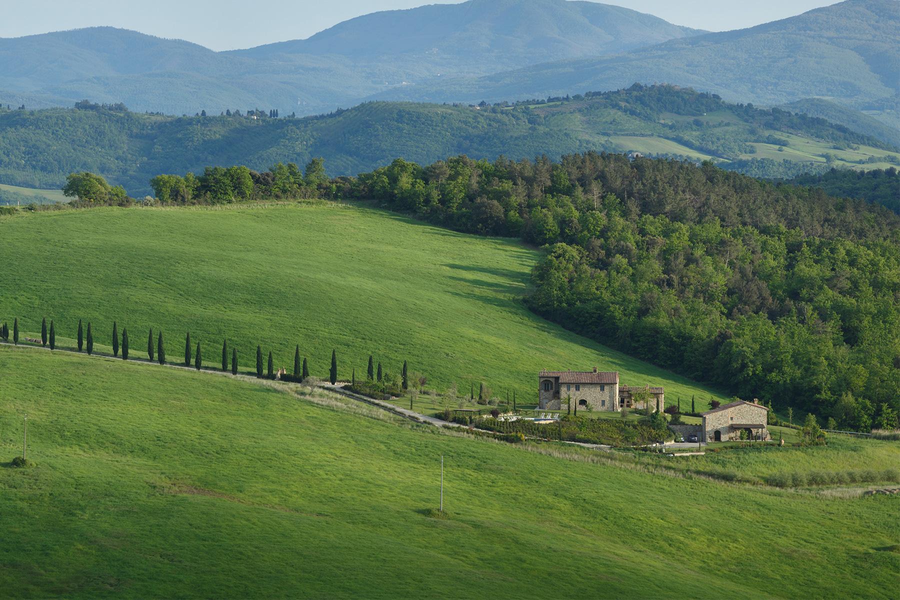 Villa per Vendita alle ore Affascinante luogo tra Casole d'Elsa e Volterra Casole D Elsa, Siena, 53031 Italia