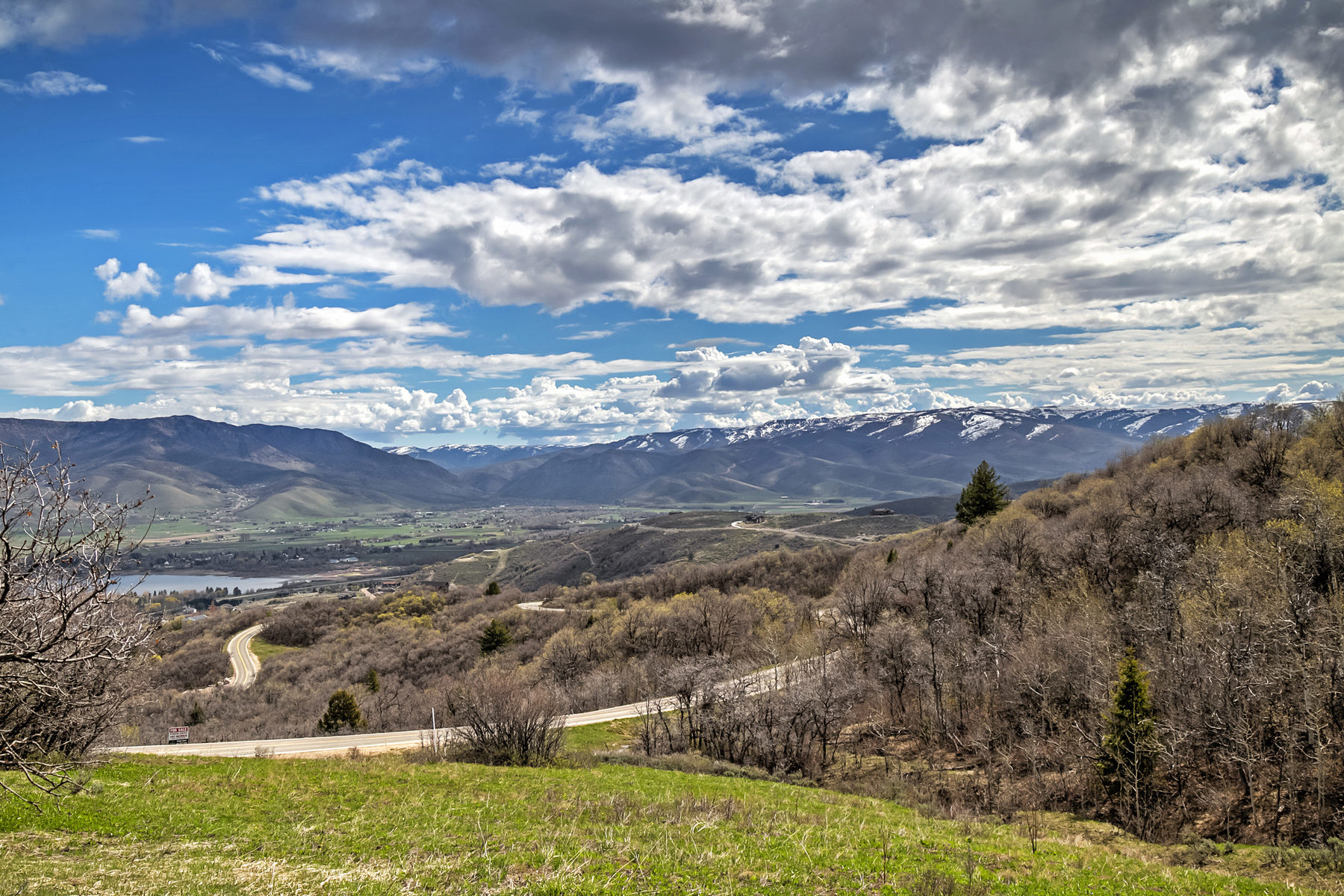 Additional photo for property listing at Most Spectacular View Lots in the Wasatch Range 5608 E Sundance Cir Lot 2 亨茨维尔, 犹他州 84317 美国