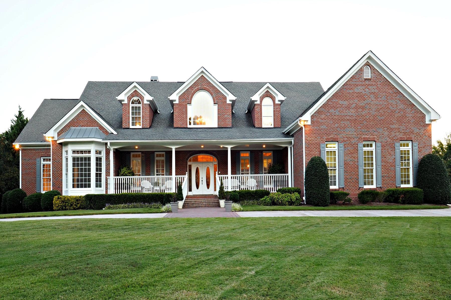 Tek Ailelik Ev için Satış at Custom Lakefront Home 252 Unity Drive NW Marietta, Georgia, 30064 Amerika Birleşik Devletleri