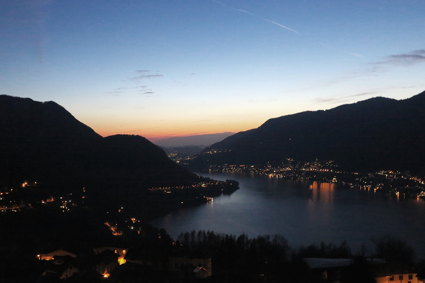 Additional photo for property listing at Ancient Castle of Palanzo Via Monte Palanzone Faggeto Lario, Como 22020 Italia