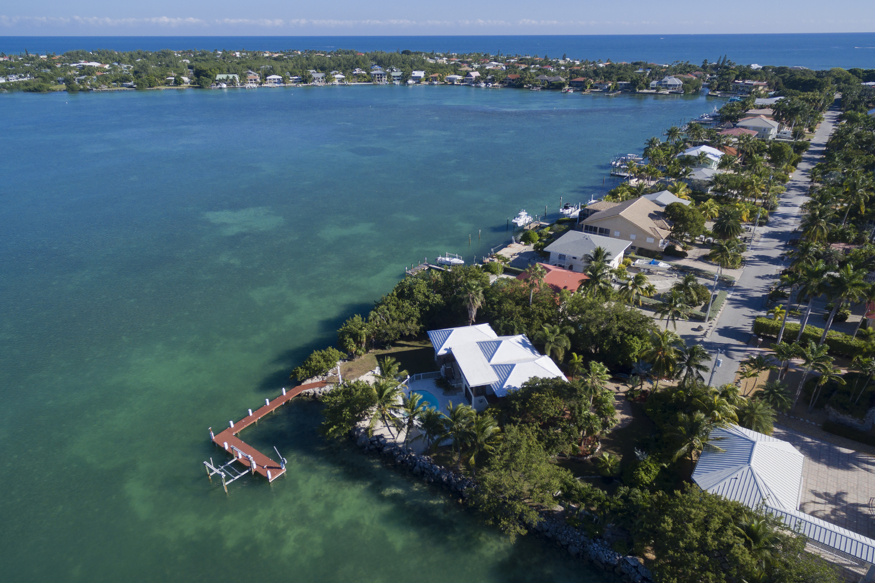 Additional photo for property listing at Sweeping Water Views 437 Harbour Drive Duck Key, Florida 33050 États-Unis