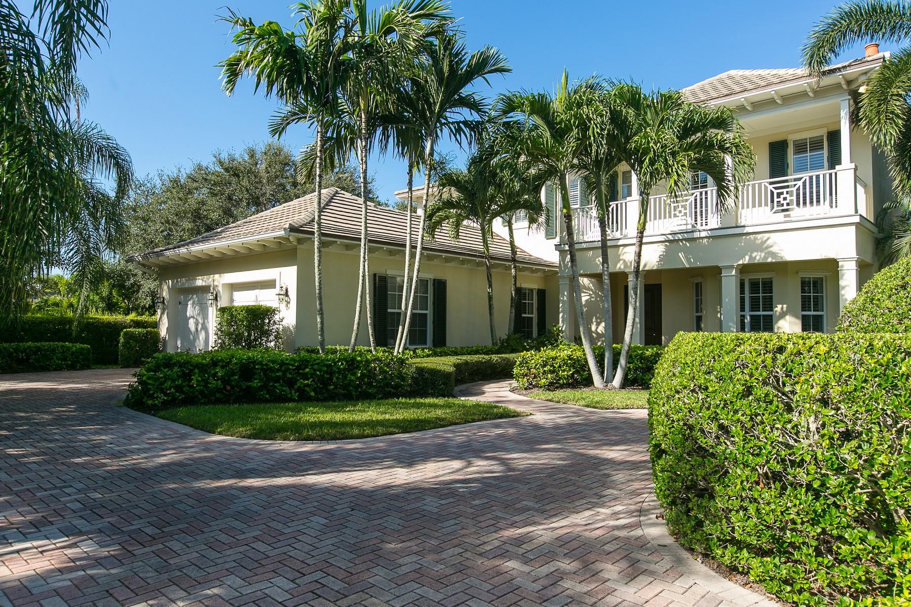 Casa para uma família para Venda às Luxurious home in Palm Isle Plantation 212 Coconut Creek Court Indian River Shores, Florida, 32963 Estados Unidos