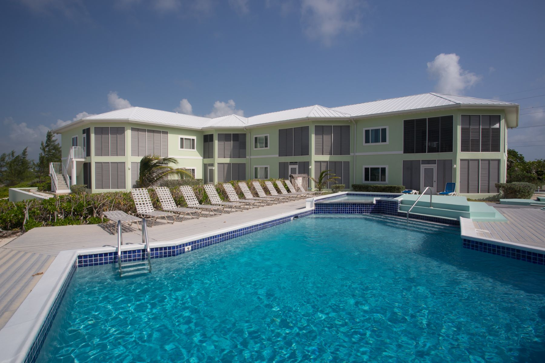 Additional photo for property listing at North Pointe Condos Rum Point,  Cayman Islands