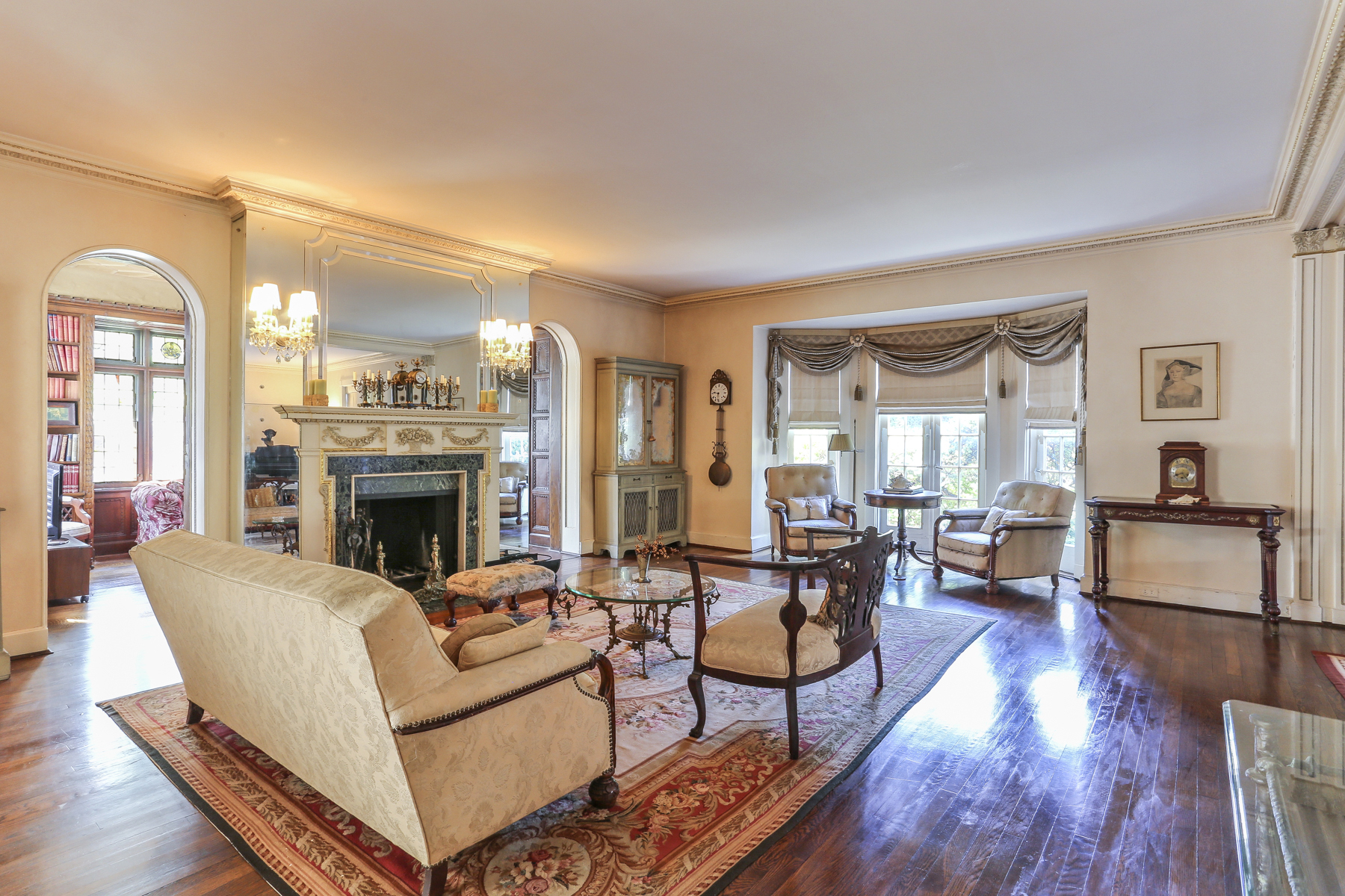 "Additional photo for property listing at ""IMPRESSIVE EMBASSY ROW ESTATE"" 140 Greenway North, Forest Hills Gardens, Forest Hills, New York 11375 United States"