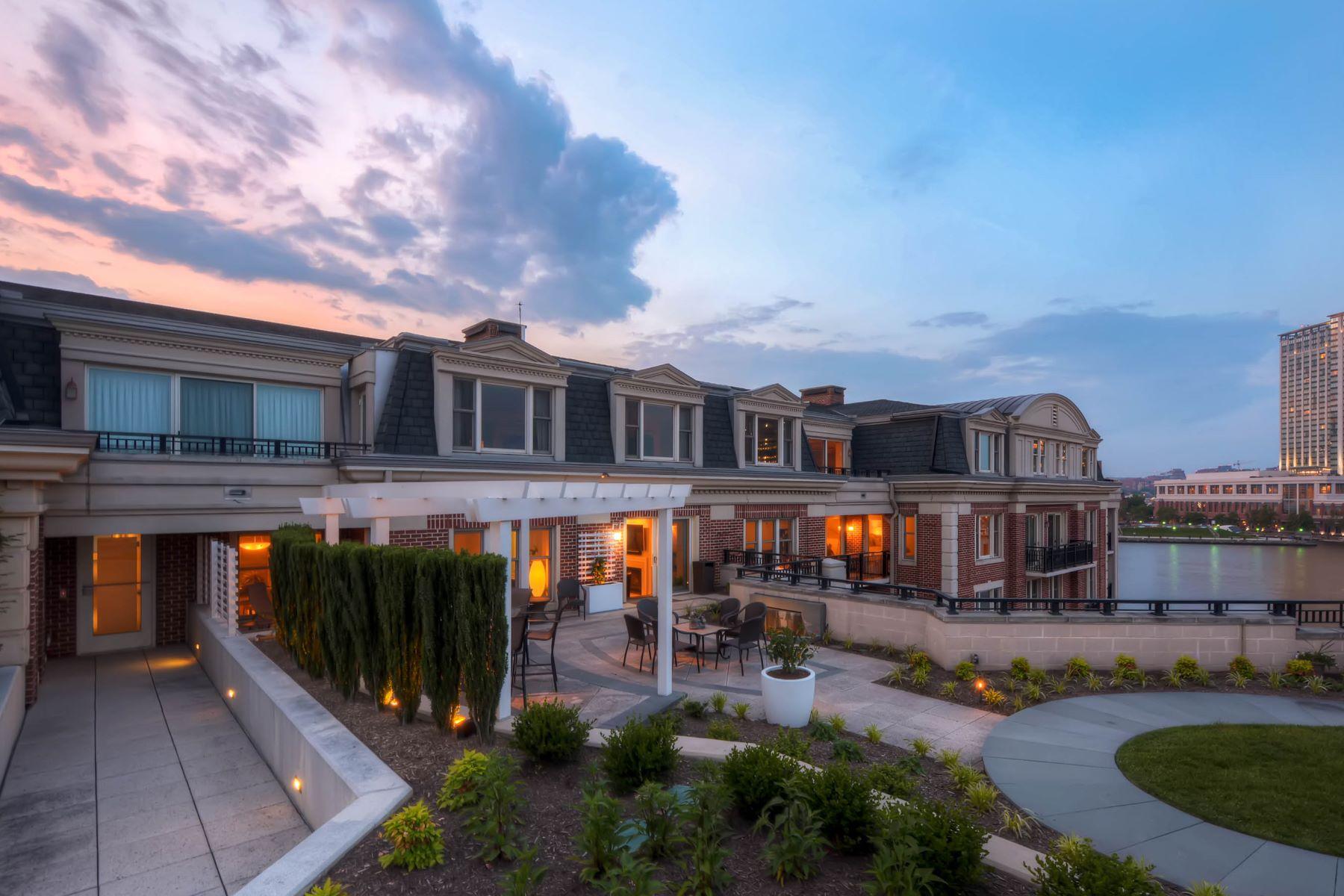 콘도미니엄 용 매매 에 Ritz-Carlton Residences 801 Key Highway #T-33 Baltimore, 메릴랜드, 21230 미국