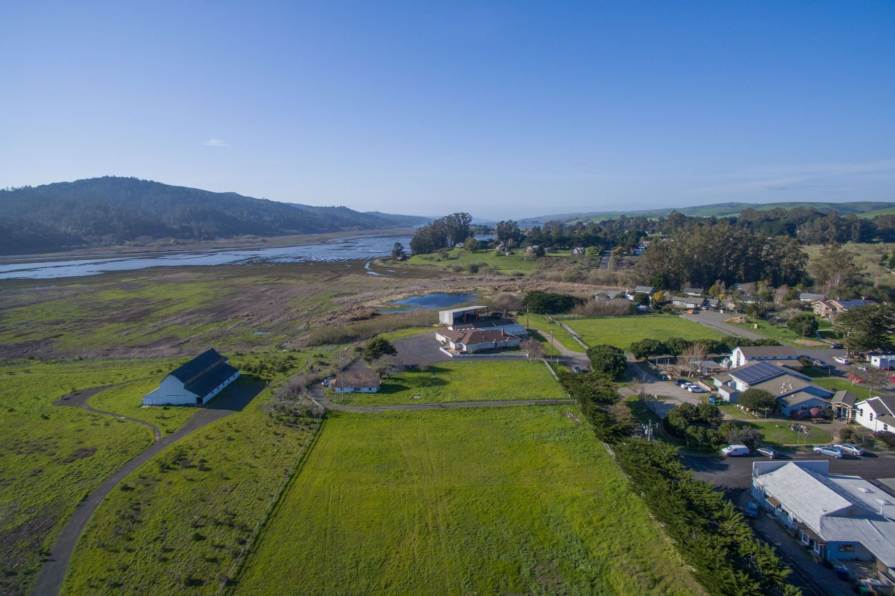 Additional photo for property listing at Iconic West Marin Property 701 C Street Point Reyes Station, Калифорния 94956 Соединенные Штаты
