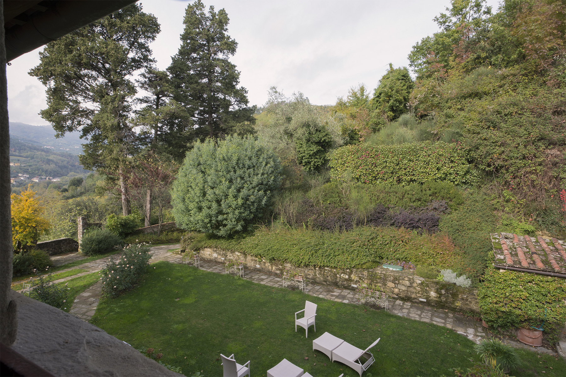 Additional photo for property listing at Stunning apartment in the Tuscan countryside Via San Vito Pistoia, Pistoia 51100 Italien