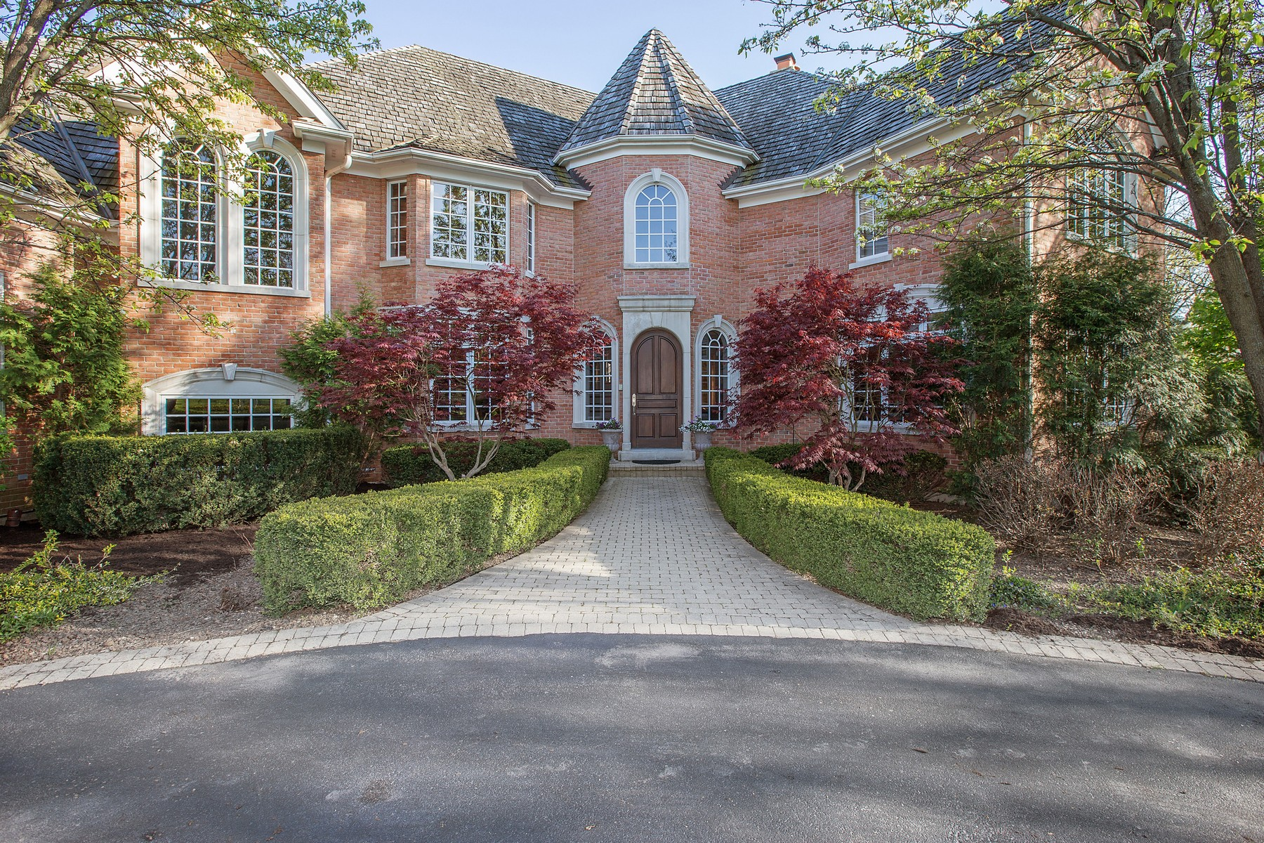 Single Family Home for Sale at Custom Built For Entertaining 158 N Wynstone Drive North Barrington, Illinois 60010 United States