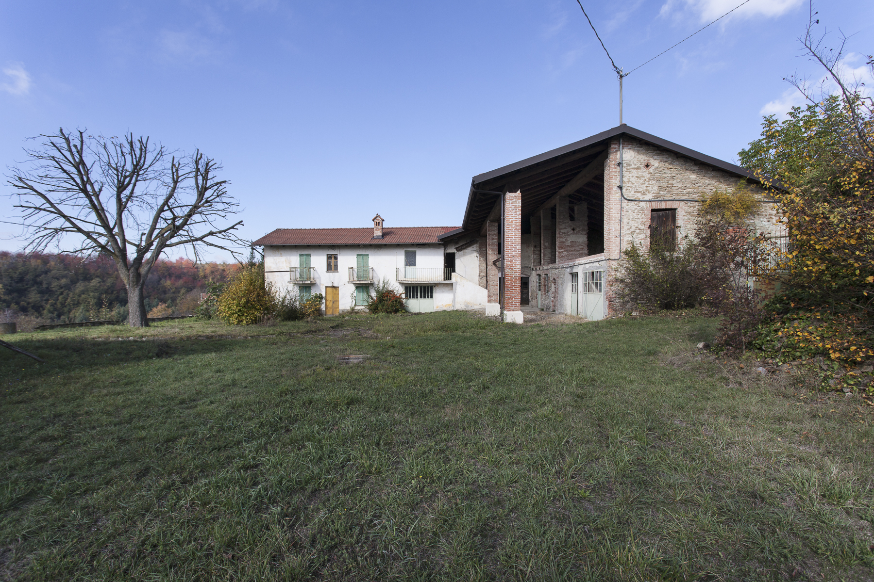 Additional photo for property listing at Ancient and charming little village in the Langhe Frazione Surie Clavesana, Cuneo 12060 Italy