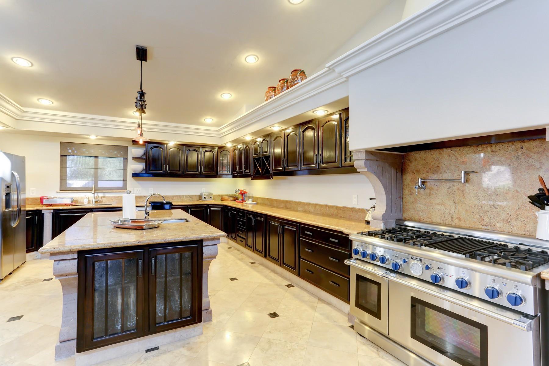 Additional photo for property listing at Casa Suzanna San Jose Del Cabo, Baja California Sur Mexico