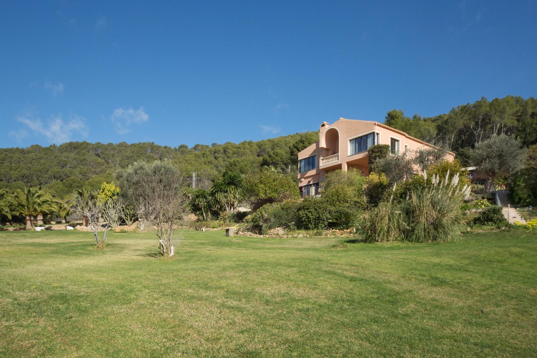 Casa Unifamiliar por un Venta en Villa in Esporles with panoramic view Esporles, Mallorca, 07171 España