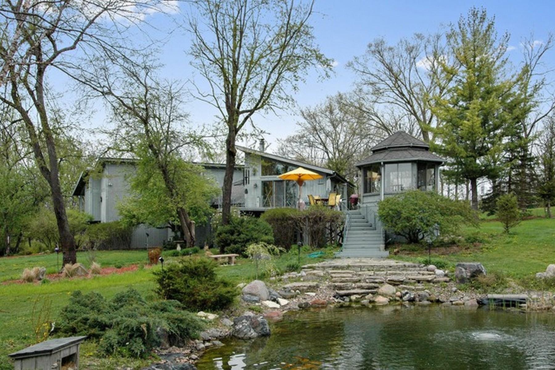 Nhà ở một gia đình vì Bán tại Sitting On Five Pristine Acres 525 Oak Knoll Road Barrington Hills, Illinois, 60010 Hoa Kỳ