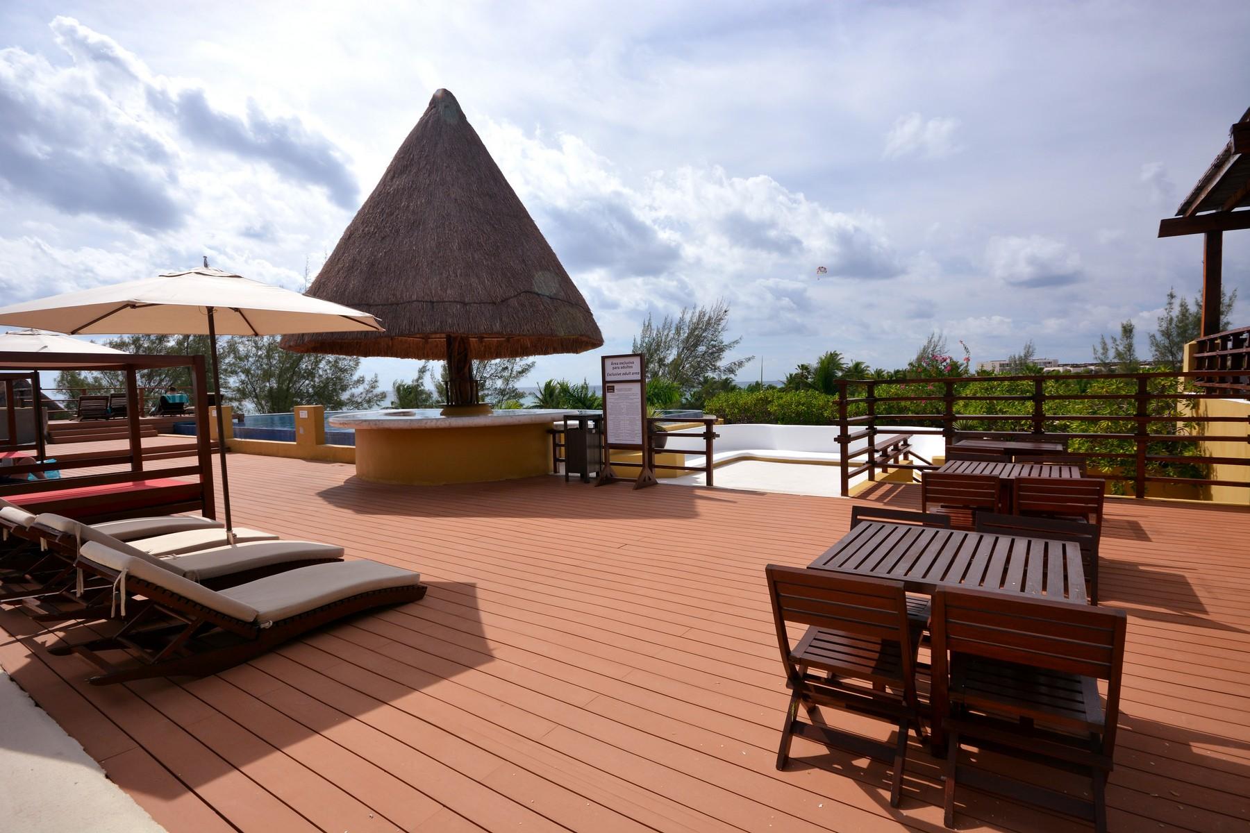 Additional photo for property listing at PUEBLITO PARAISO ESCONDIDO Hidden Paradise Pueblito Av. 38 norte, entre Flamingos y Albatros Playa Del Carmen, Quintana Roo 77728 México