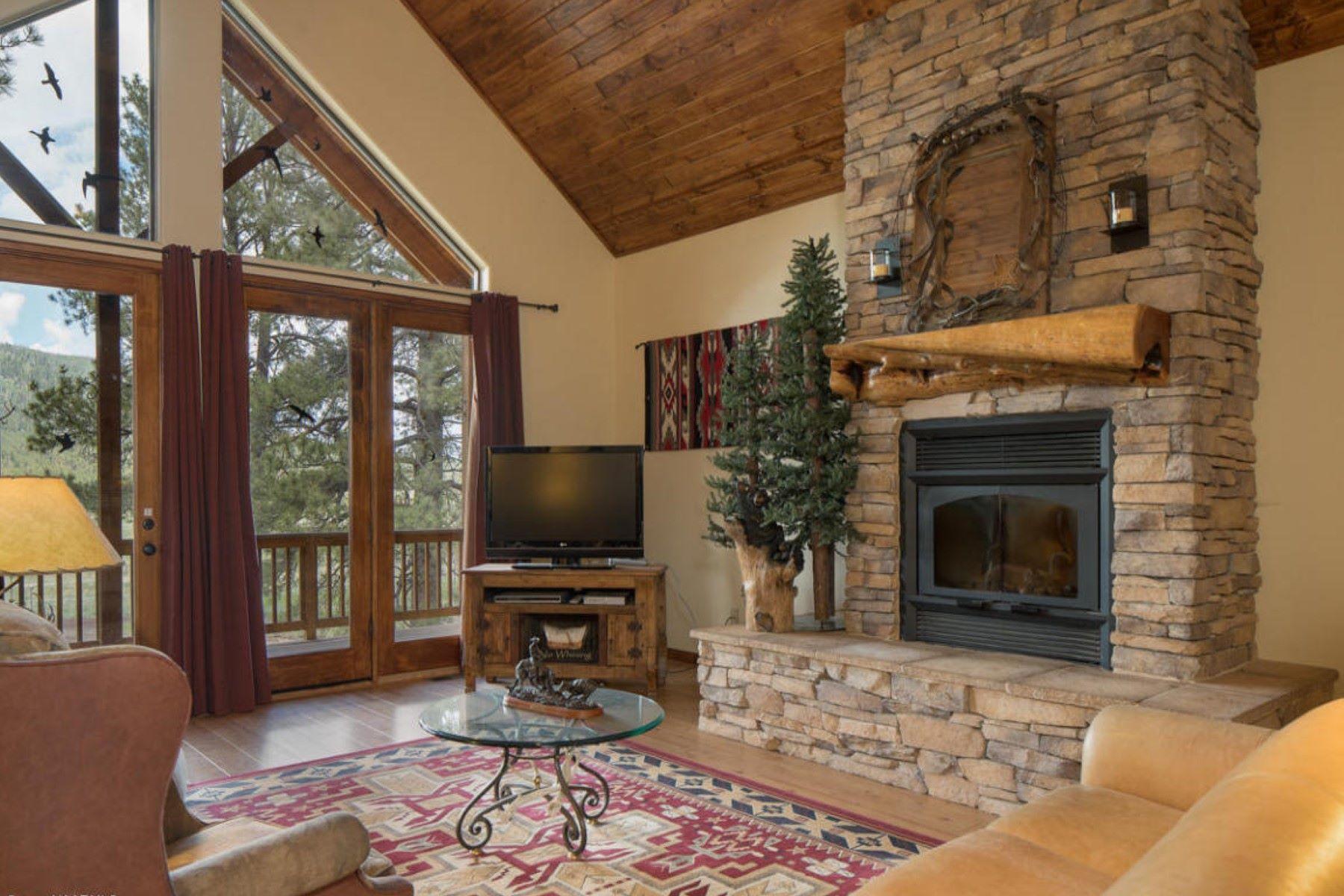 一戸建て のために 売買 アット This is a rare opportunity to own a private custom log sided mountain retreat. 17242 Crowley TRL Flagstaff, アリゾナ, 86001 アメリカ合衆国
