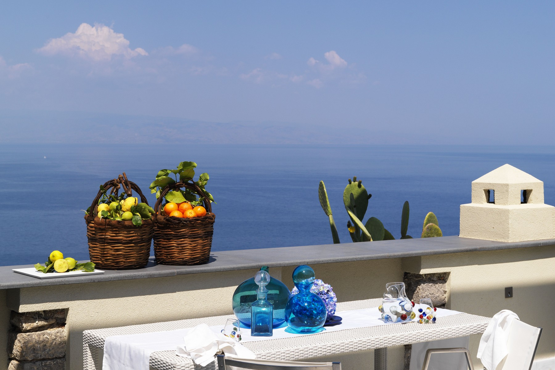 Additional photo for property listing at Dream villa on the sea in Taormina Taormina, Messina Italie