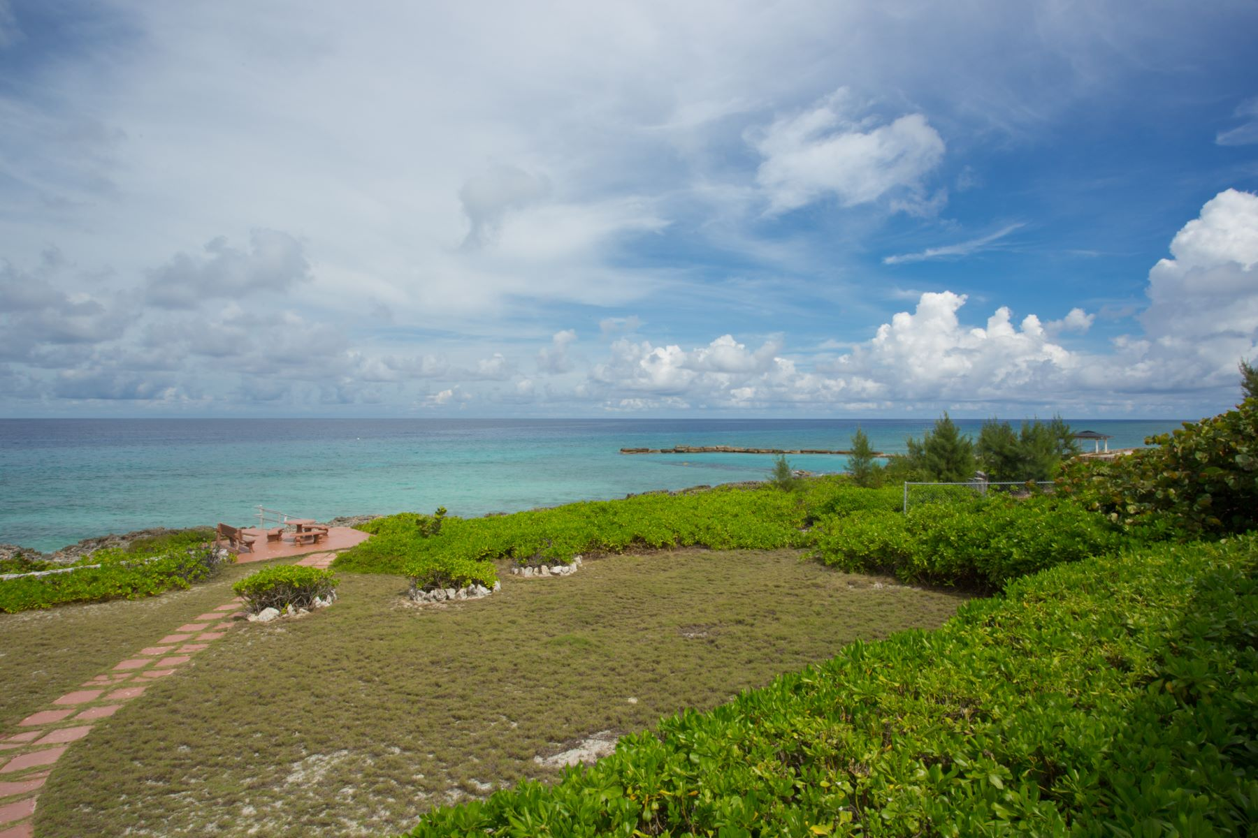 Additional photo for property listing at Spanish Bay oceanfront land Spanish Bay Land Conch Point Rd West Bay,  KY1 Cayman Islands