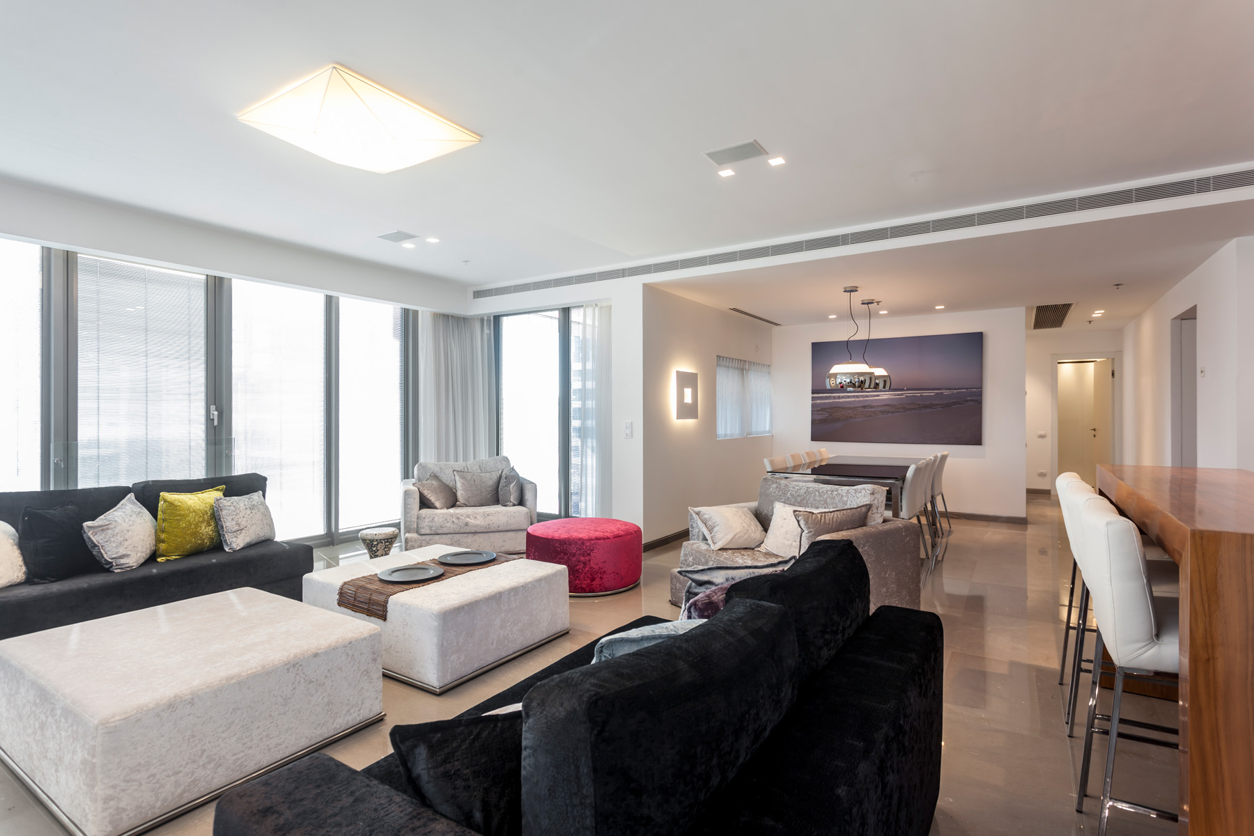 Additional photo for property listing at Lavish Modern Style Apartment Tel Aviv, Israel Israel