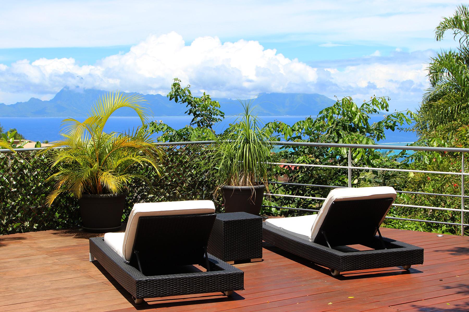 Частный односемейный дом для того Продажа на Modern home with a view Tahiti, French Polynesia