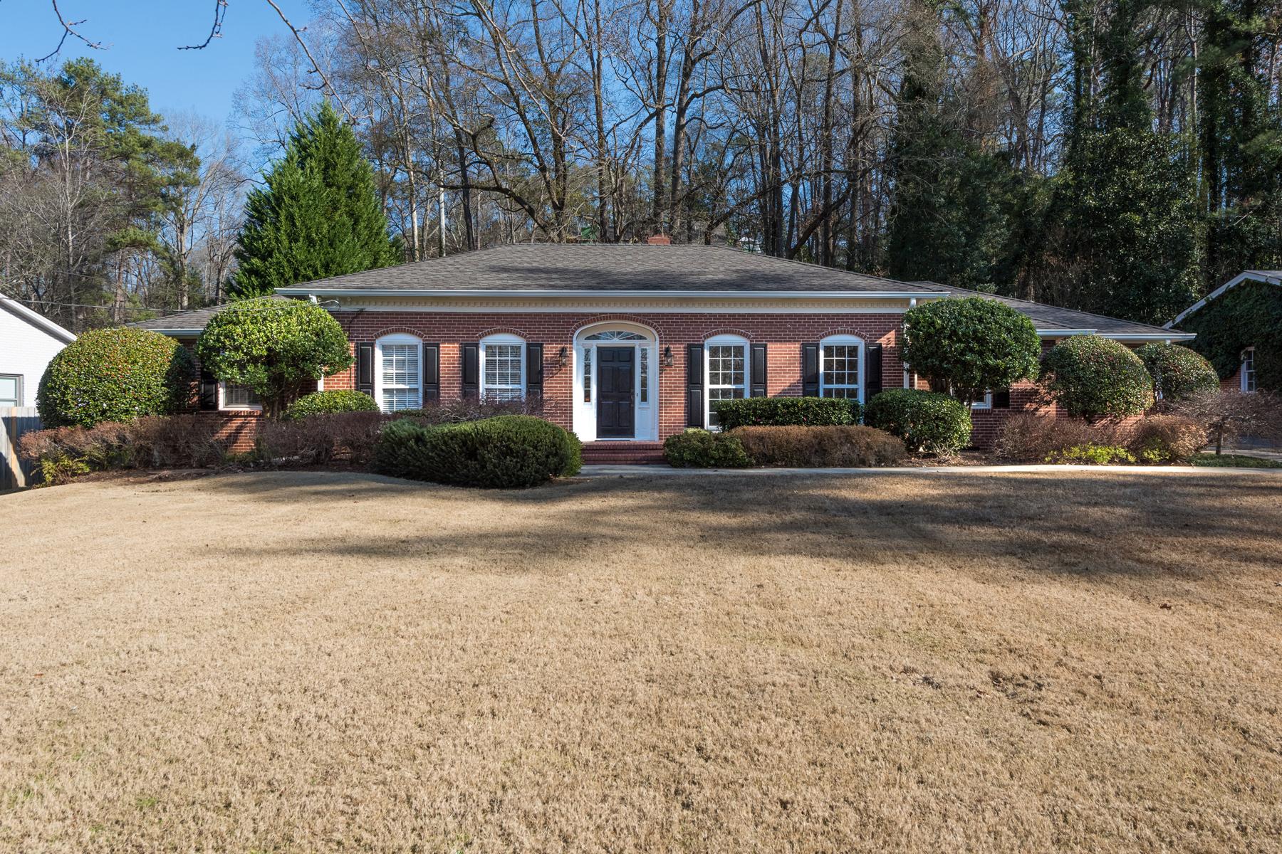 단독 가정 주택 용 매매 에 Fully Renovated Home On Great Flat Lot 4225 Lake Forrest Drive NE Atlanta, 조지아, 30342 미국