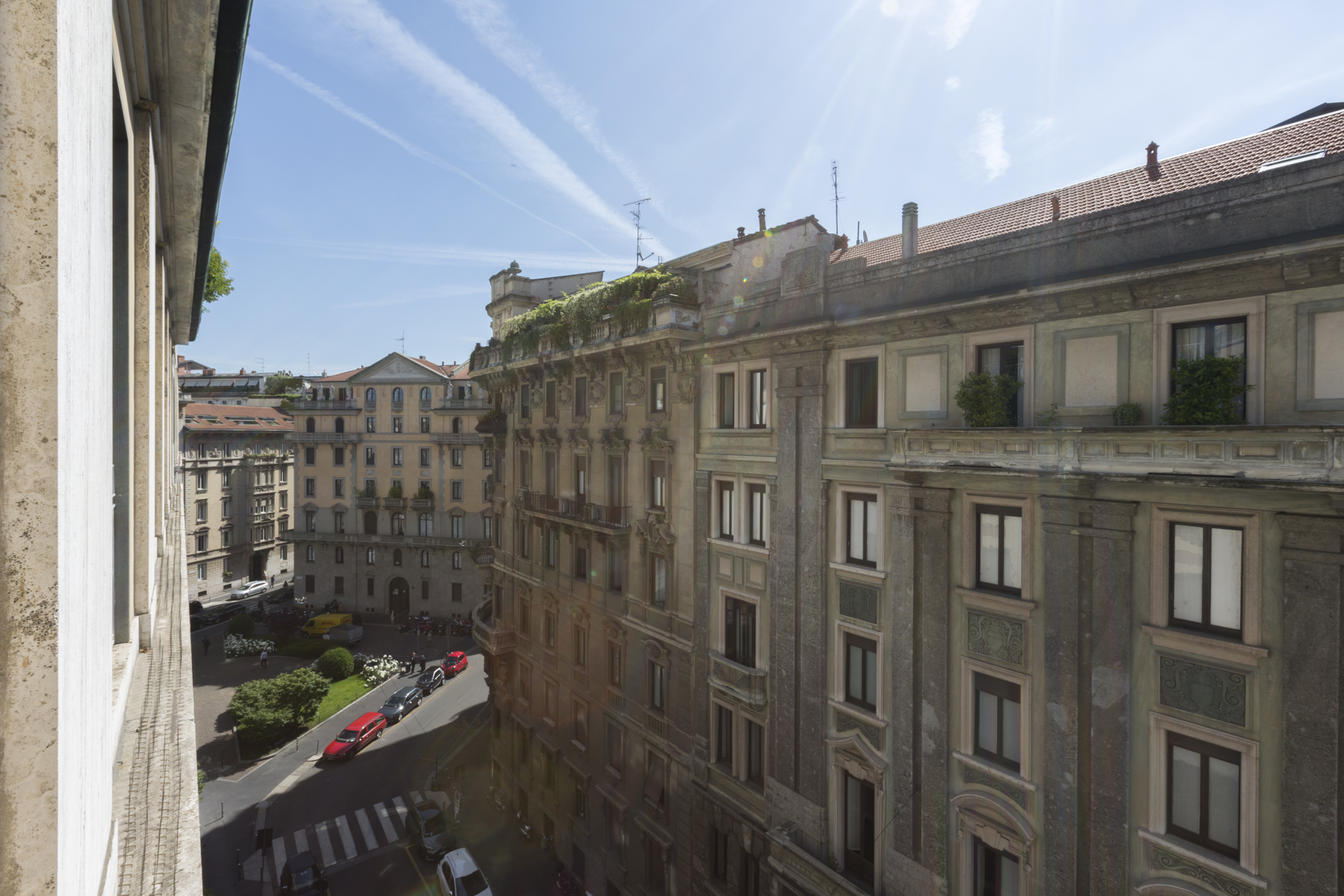 Additional photo for property listing at Exclusive apartament in prestigious contest via Pietro Cossa Milano, Milan 20122 Italy