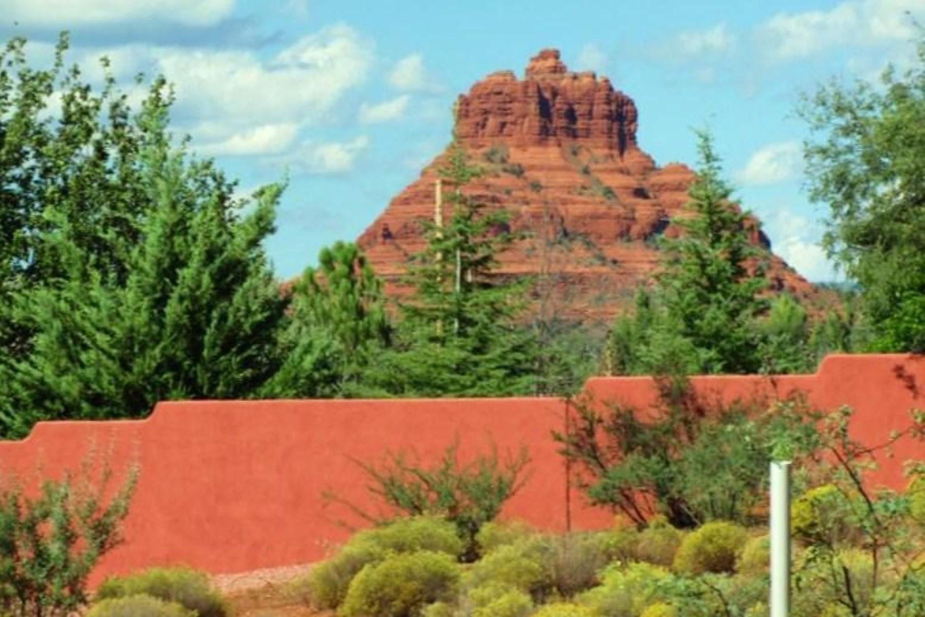 Terreno por un Venta en Beautiful Vacant lot with forest access. 230 Piedras Del Norte #3 Sedona, Arizona, 86351 Estados Unidos