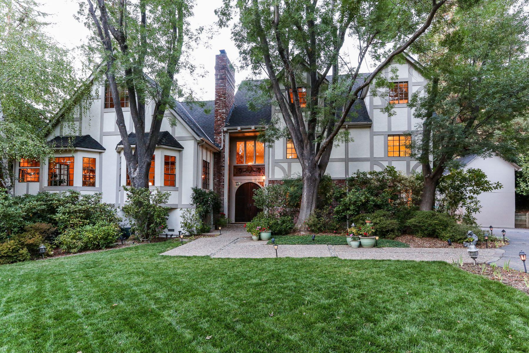 Moradia para Venda às Exquisite Gated Tudor Hampton Estate 2510 Mt Diablo Scenic Blvd Danville, Califórnia, 94506 Estados Unidos