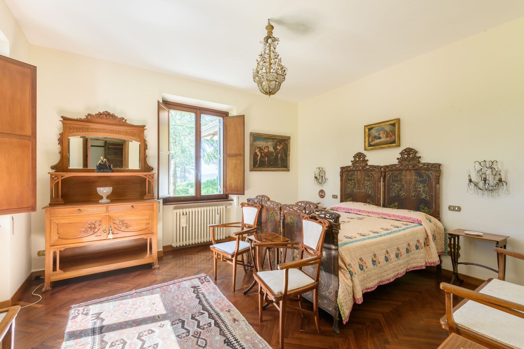 Additional photo for property listing at Splendid villa in the Tuscan-Umbrian hills Citta Della Pieve, Perugia Italien