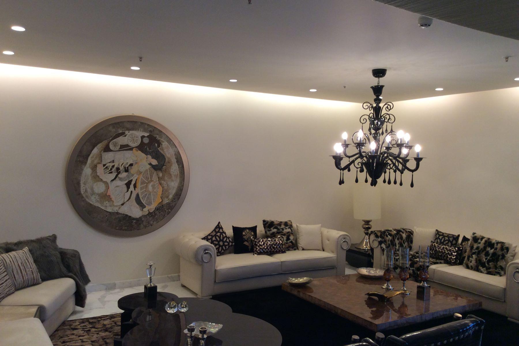 Villa per Vendita alle ore DLF Magnolias-Exceptionally Luxurious Penthouse Golf Course Road Gurgaon, Haryana, 122002 India