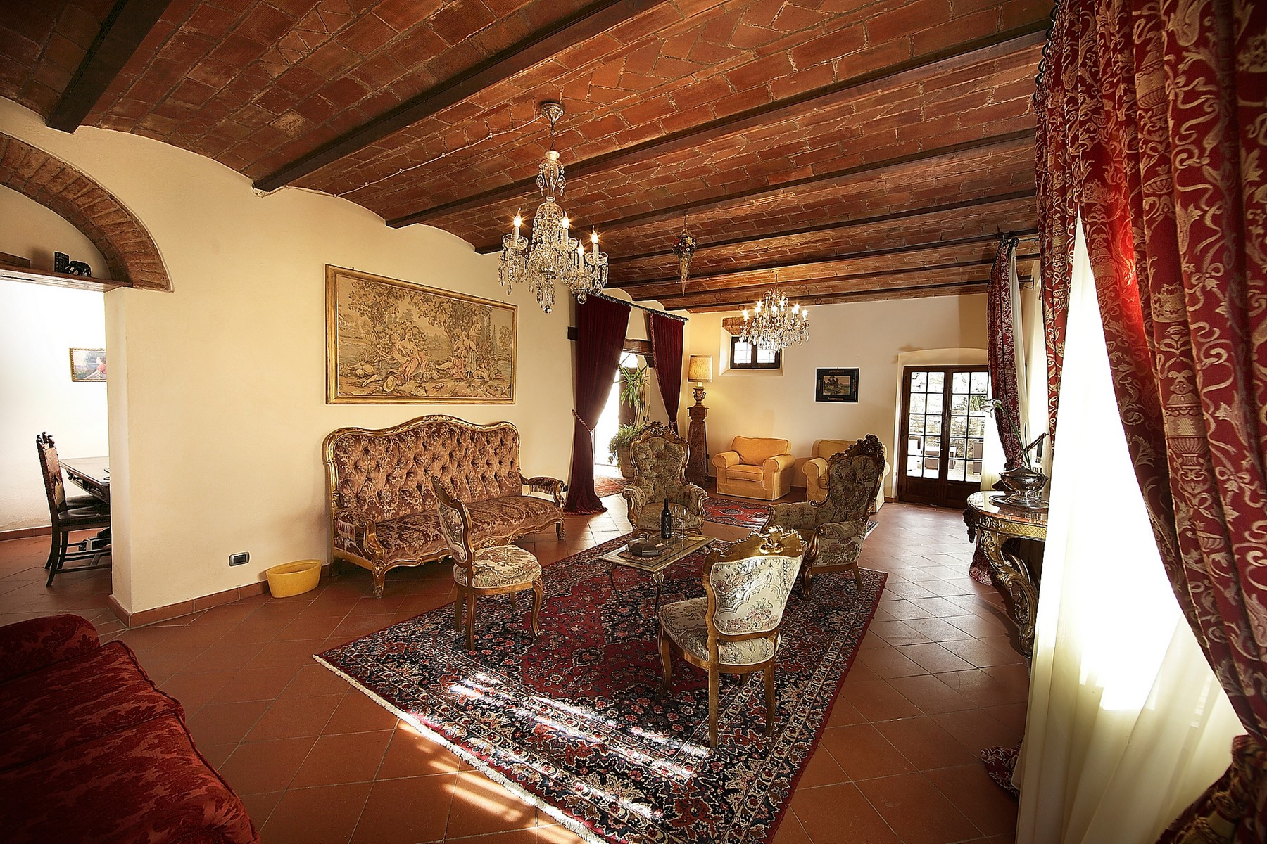 Additional photo for property listing at Exclusive manoir in the heart of Chianti Classico Gaiole in Chianti Gaiole In Chianti, Siena 53013 Italien