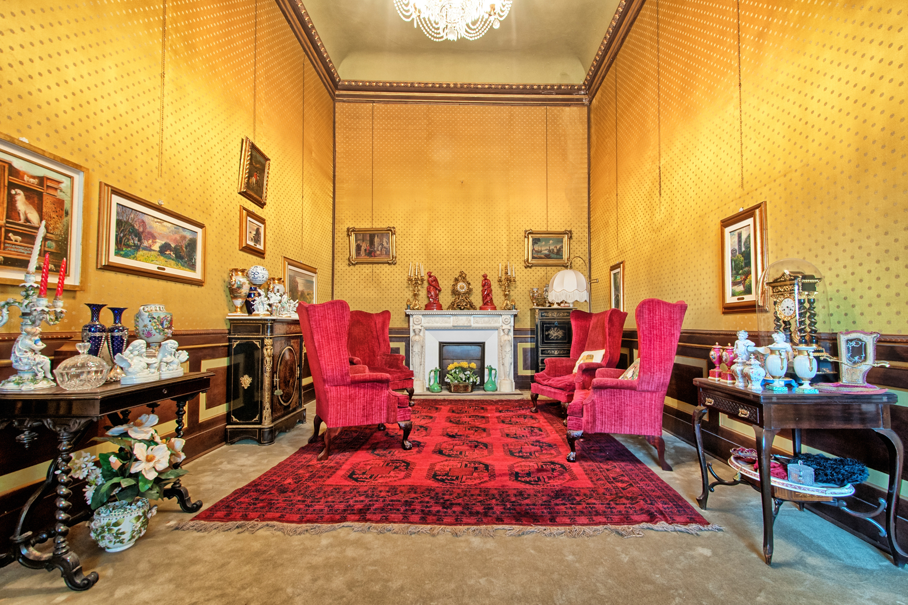 Additional photo for property listing at Elegant apartment in historical building Centro Storico, Lucca, Lucca Italie